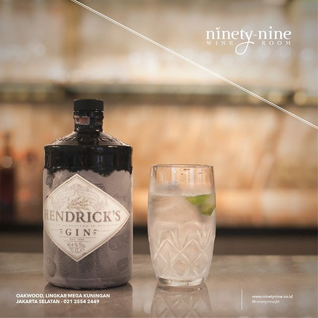 Bottled in a classic apothecary-style bottle, Hendrick's Gin recalls the past days of Gin. Aroma of juniper, rose, and citrus translates into the corriander, rich orange, and black pepper palate. The Gin finish long, with tones of Earl Grey, juniper, rose, and lime.
