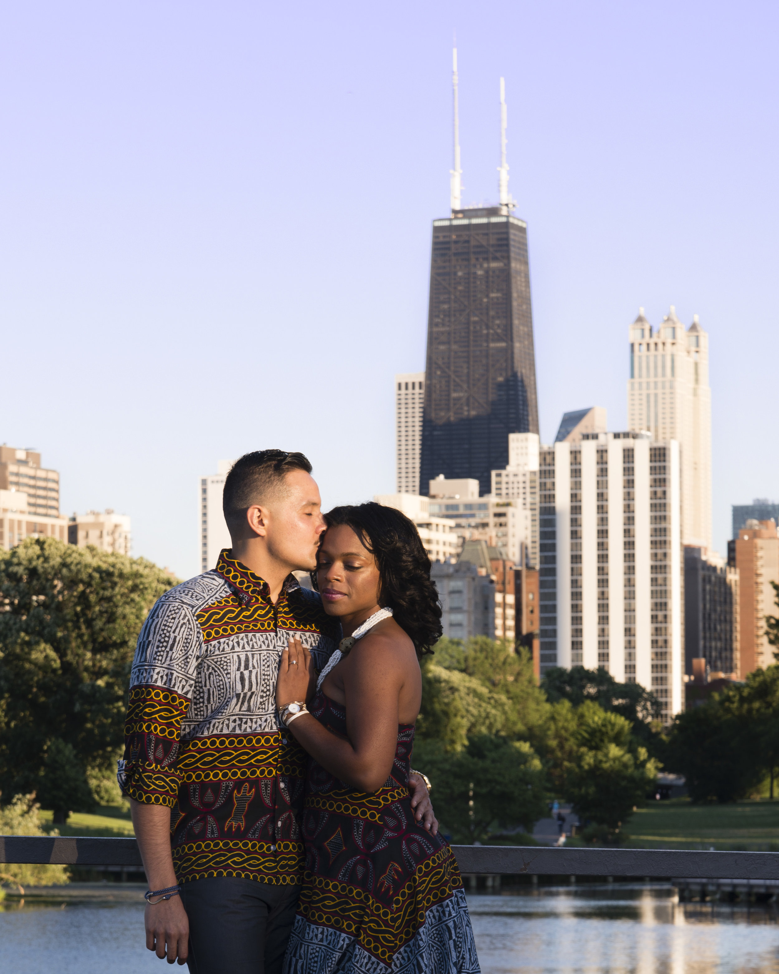 Engagement photos with Chicago's skyline