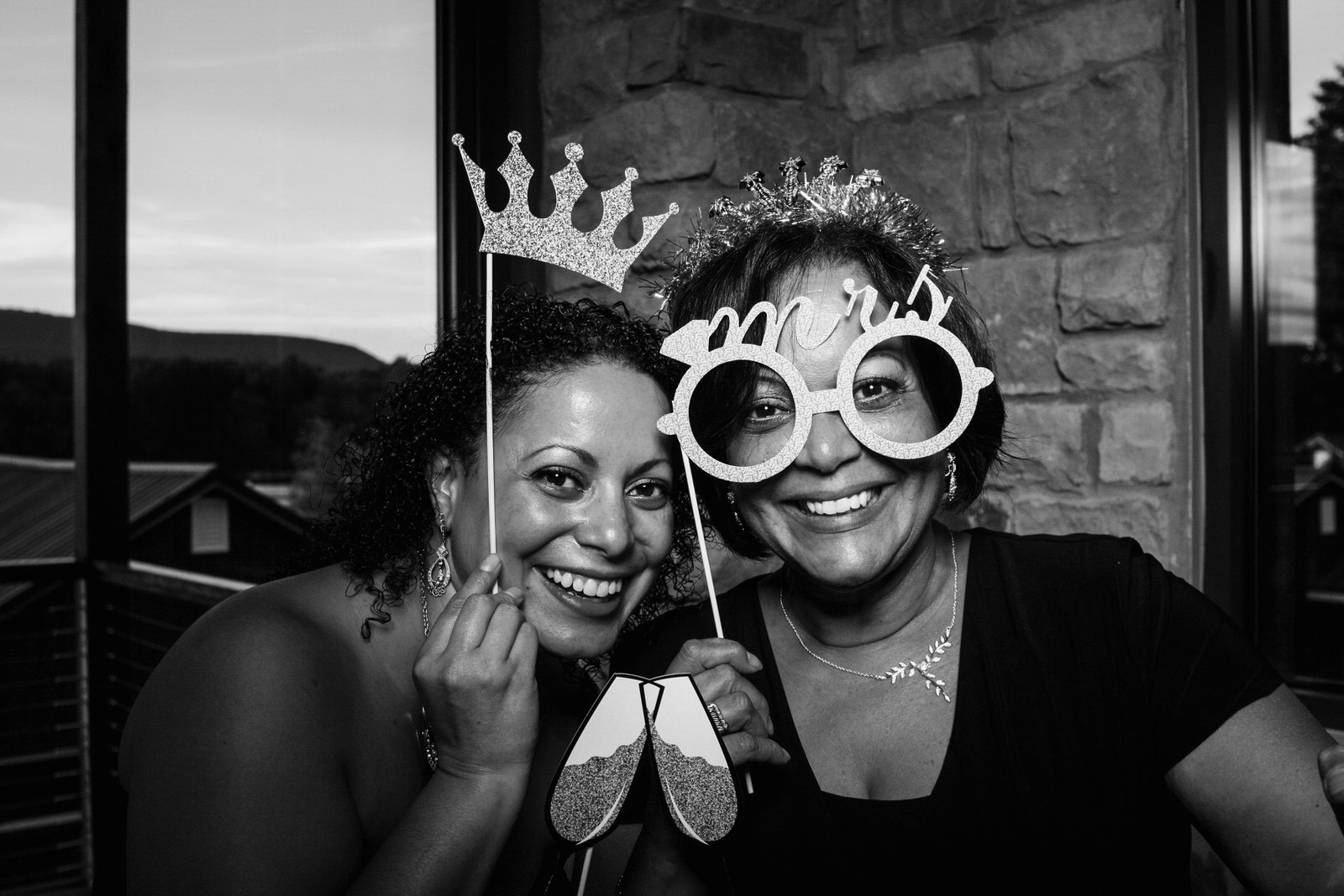 Vanessa-Jonathan-Wedding-Photo-Booth-35.jpg