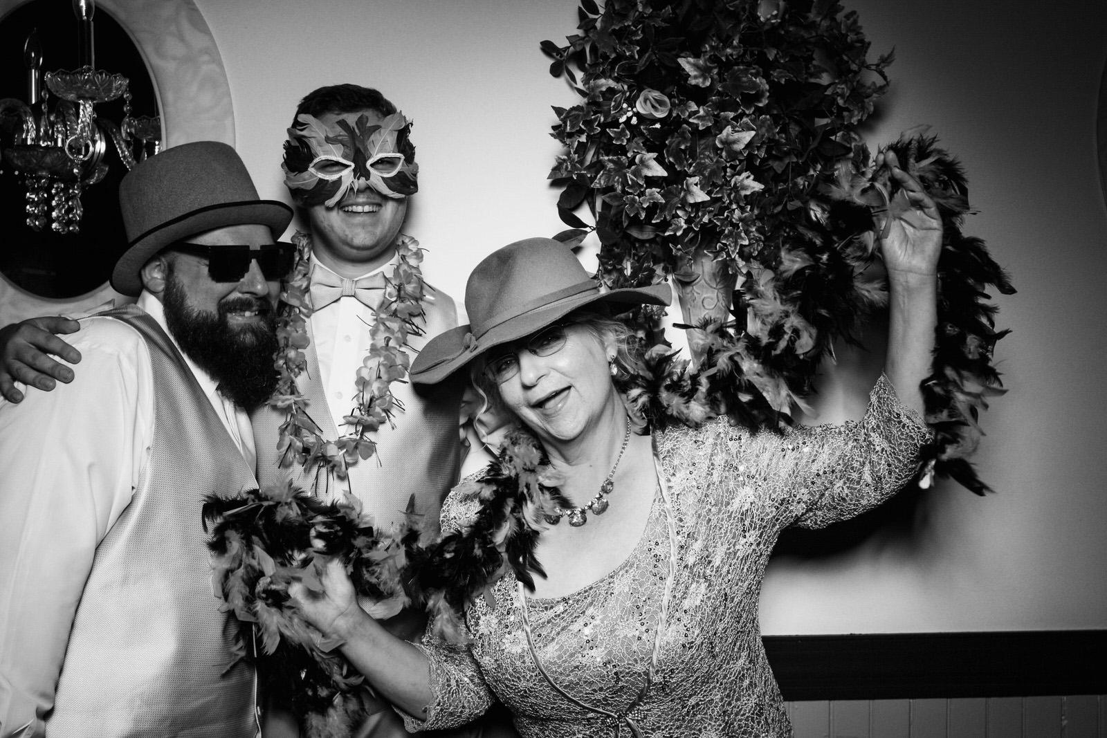Ryan-Christine-Wedding-Photo-Booth-16.jpg