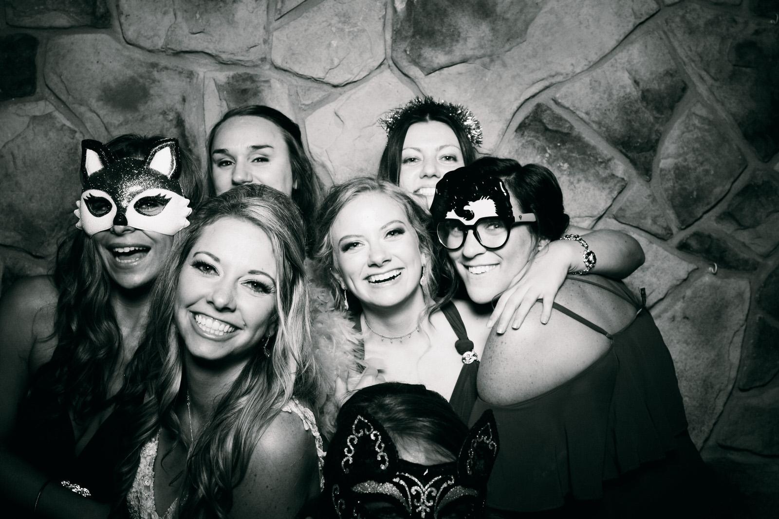 Jeanine-Sean-Wedding-Photo-Booth-12.jpg