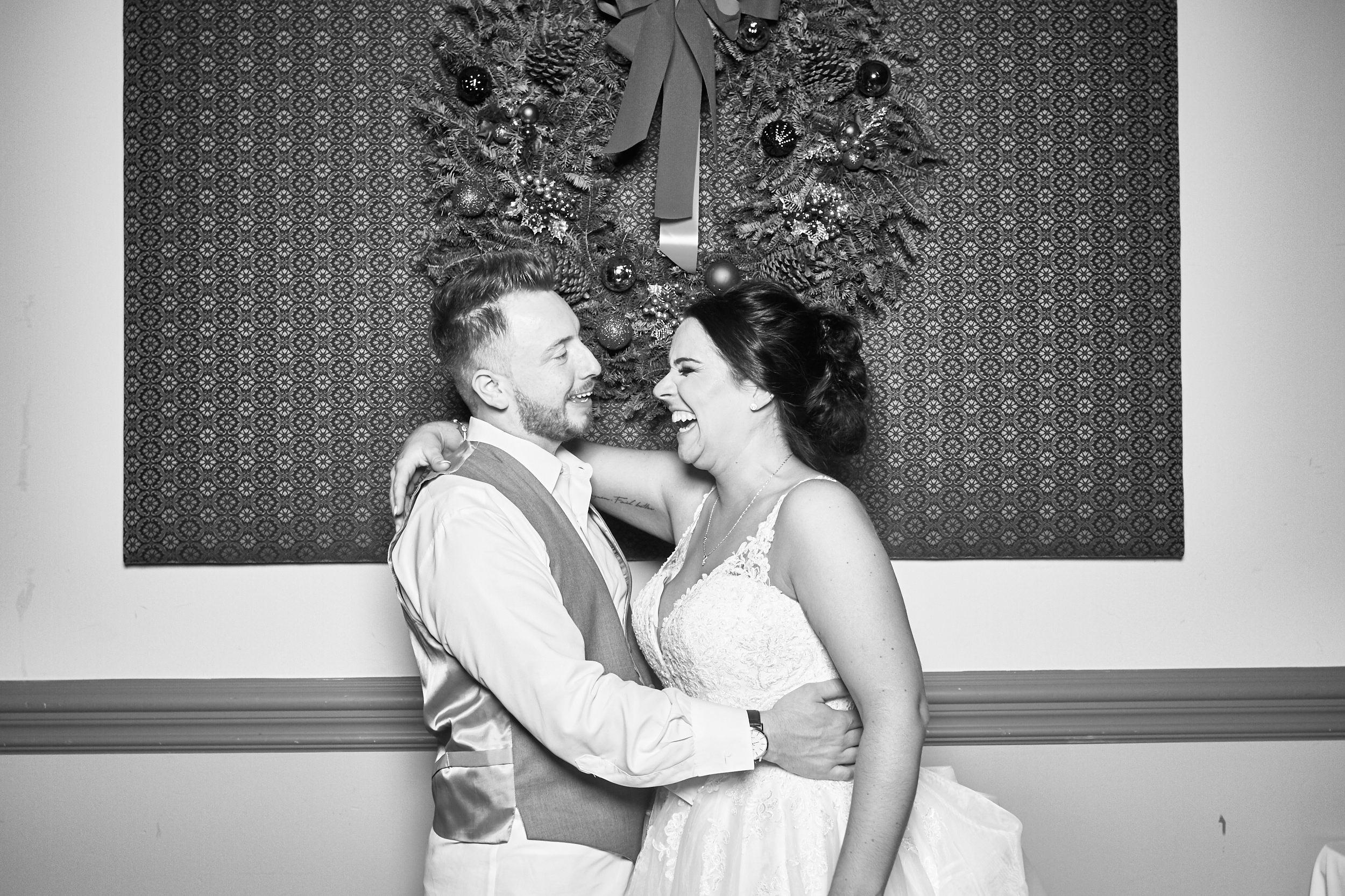 Alexa-James-Wedding-Photo-Booth981.jpg