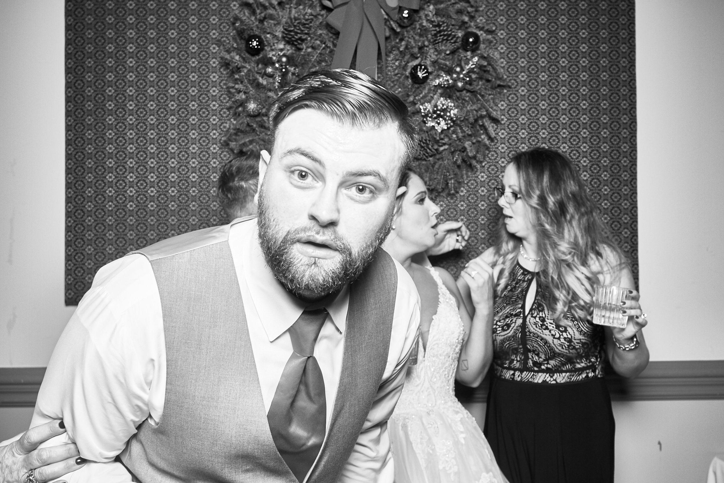 Alexa-James-Wedding-Photo-Booth983.jpg