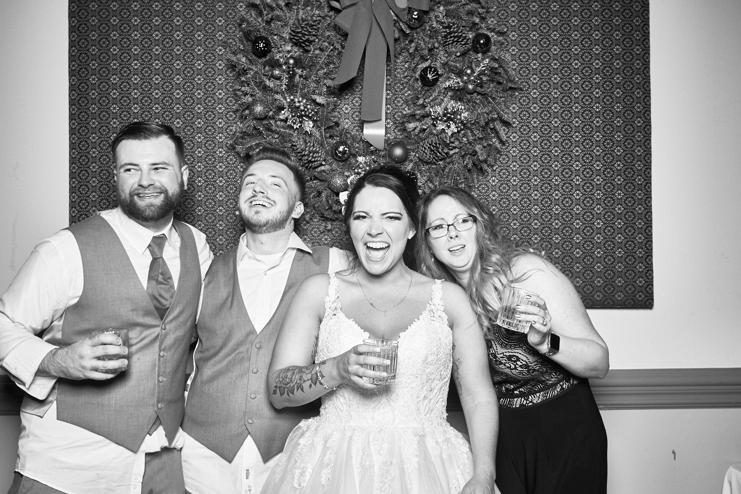 Alexa-James-Wedding-Photo-Booth984.jpg