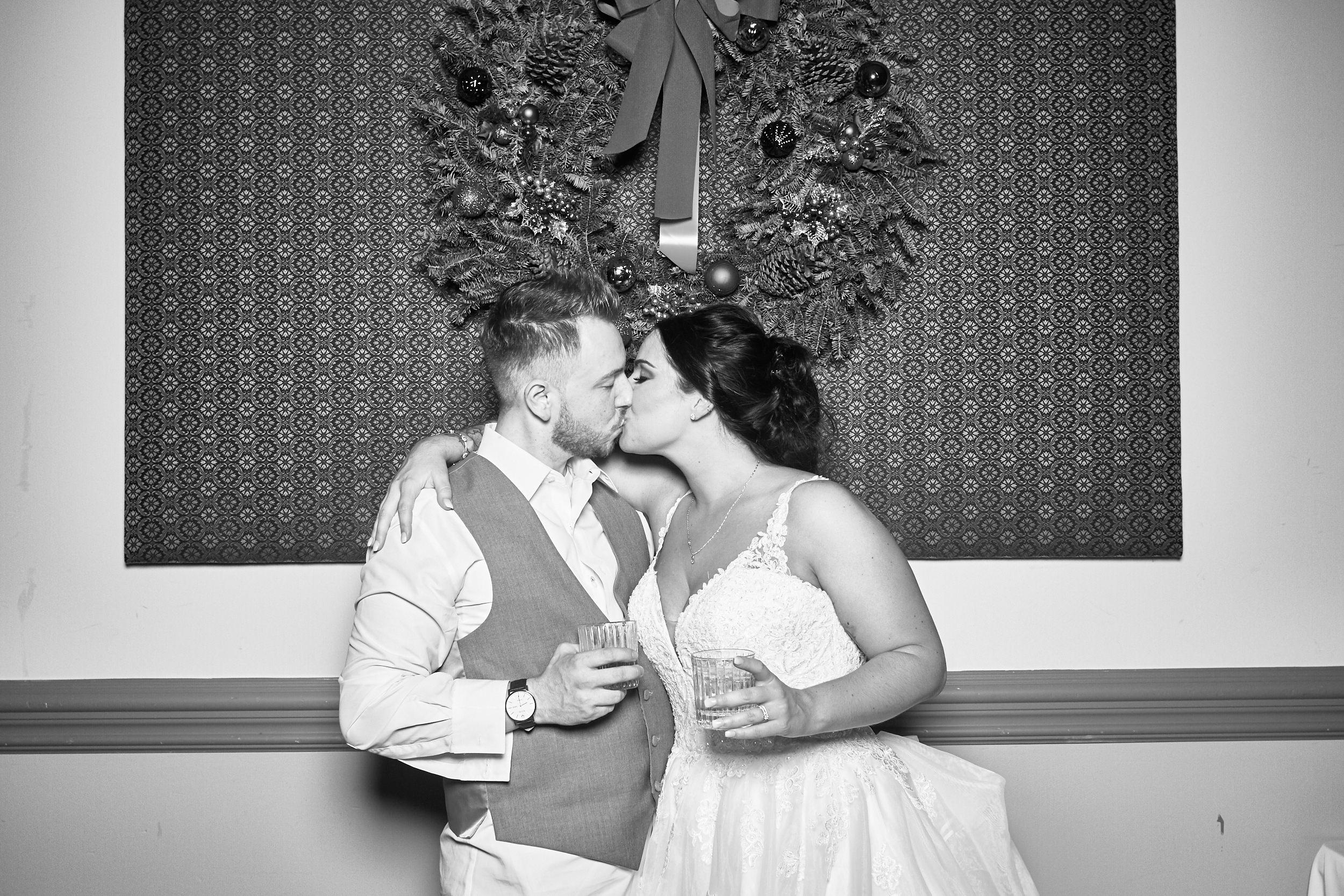 Alexa-James-Wedding-Photo-Booth987.jpg