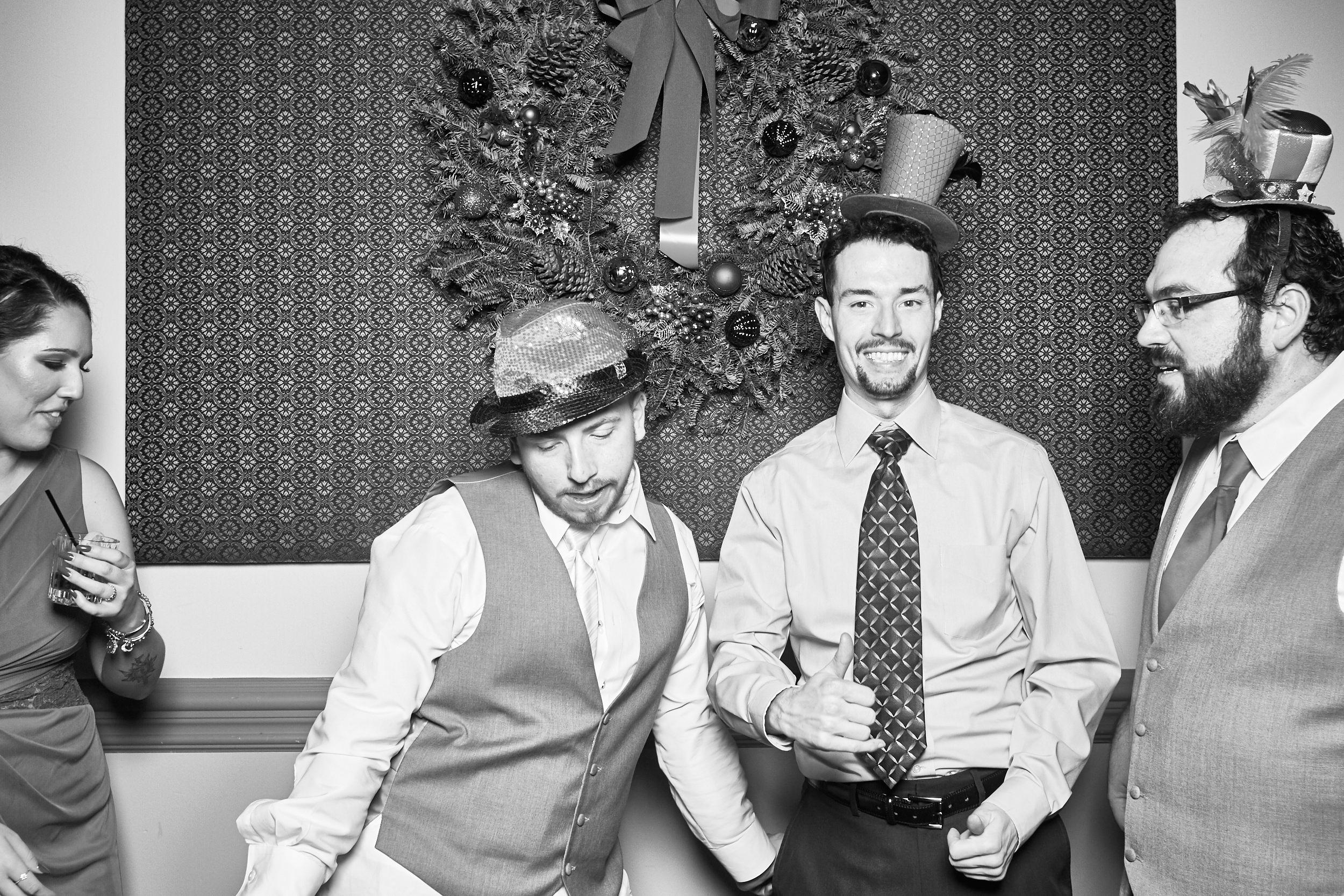 Alexa-James-Wedding-Photo-Booth995.jpg