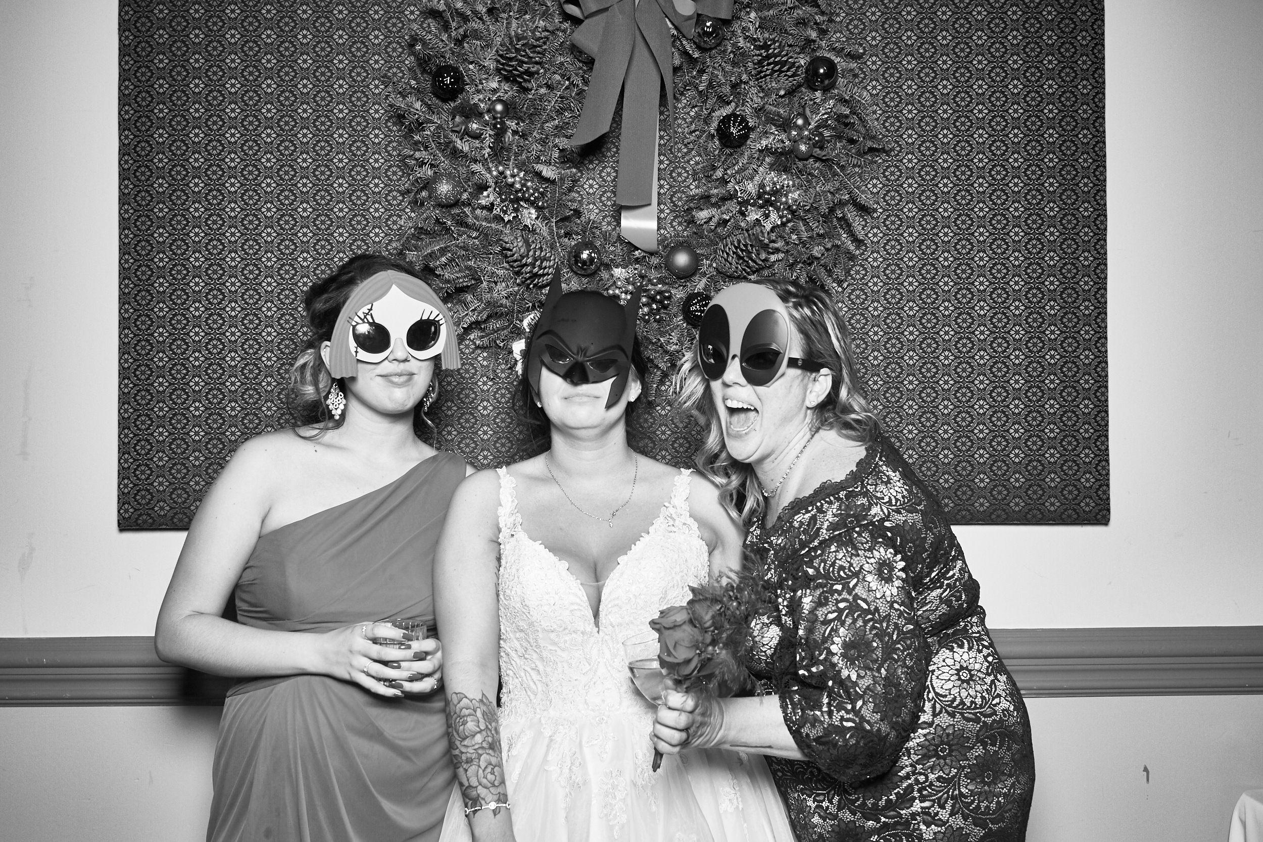 Alexa-James-Wedding-Photo-Booth998.jpg