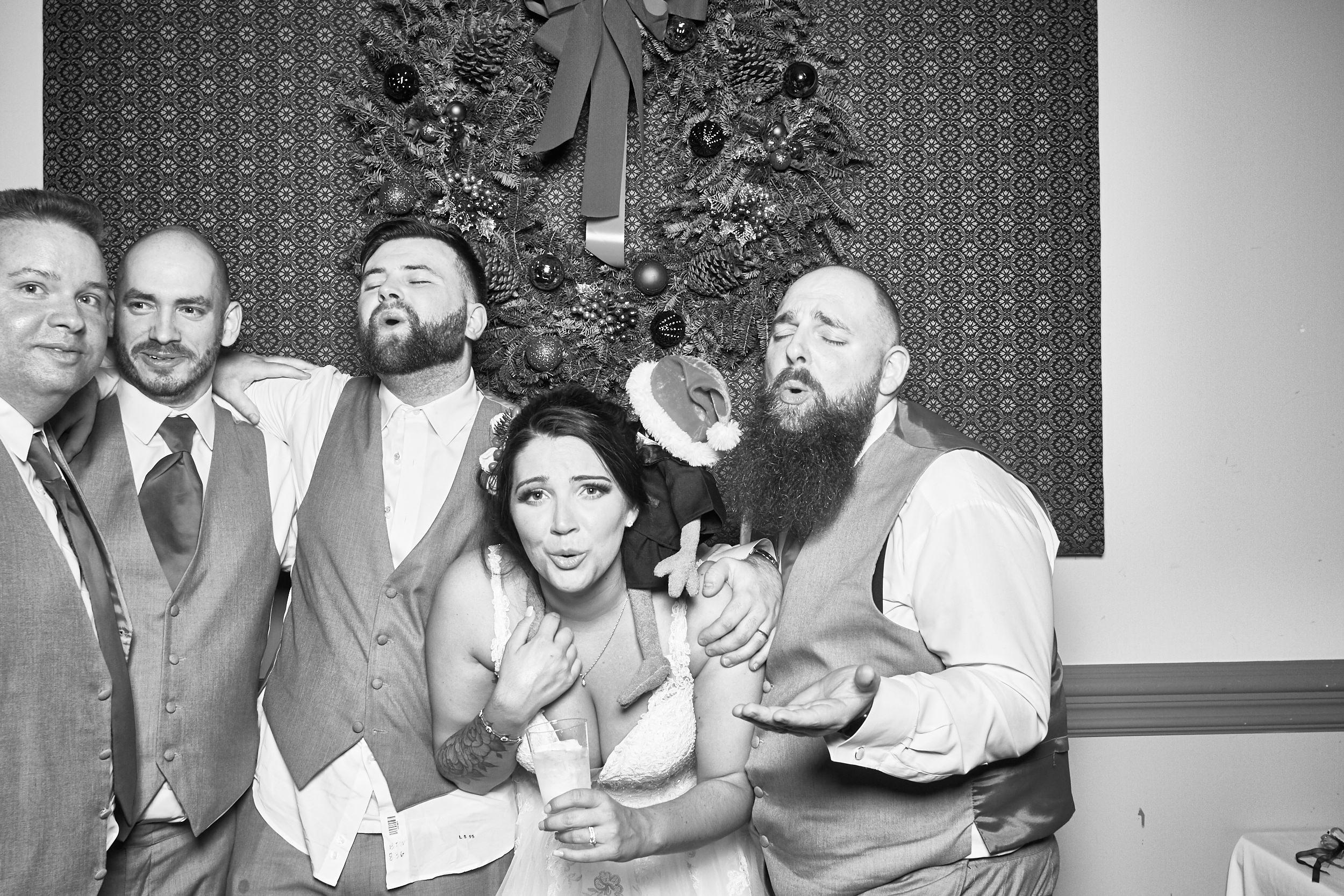 Alexa-James-Wedding-Photo-Booth1007.jpg