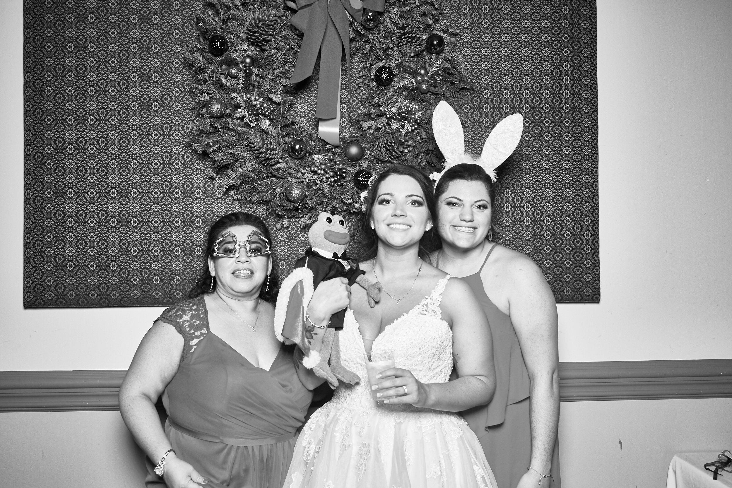 Alexa-James-Wedding-Photo-Booth1006.jpg
