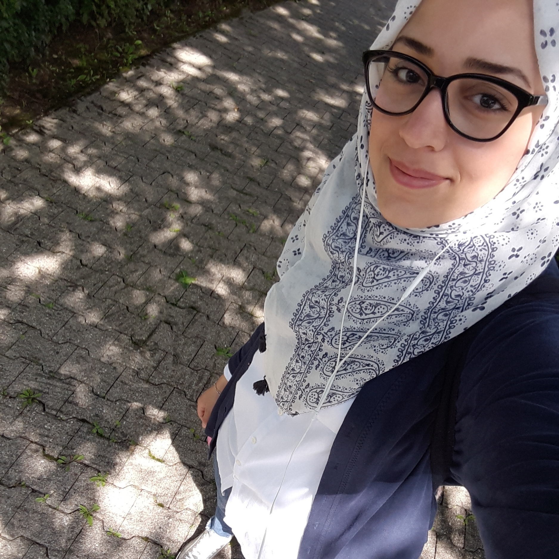 - Ruaa Bain                 Funktion bei WoW e.V.:Abteilung -Kommunikation(Arabisch, Deutsch)Akademische Ausbildung:Chemie und Bioingenieurswesen (B.Sc.)Motivation für WoW e.V.: