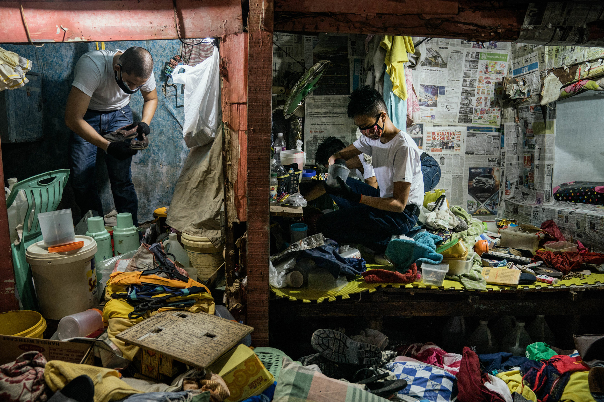 Officials search for contraband during a surprise operation (called Oplan Greyhound) in the Manila City Jail in Manila, Philippines on November 1, 2018. In the Philippines, men with pending cases spend months, sometimes years, in overcrowded cells waiting to be charged, sentenced, or tried.
