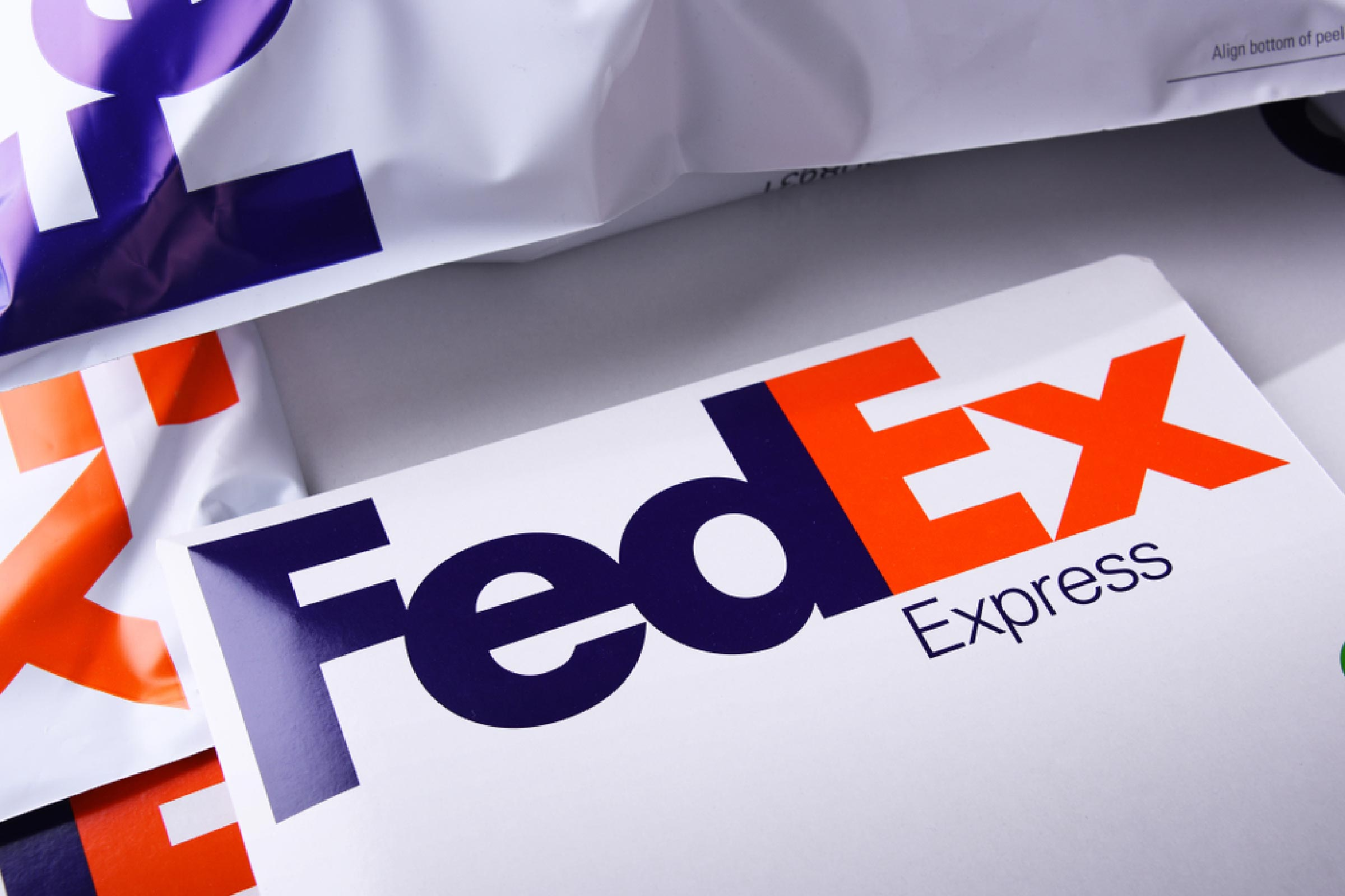 poznan-pol-apr-26-2018-envelopes-and-parcels-of-fedex-an-american-multinational-courier-delivery-services-company-headquartered-in-memphis-tennessee.jpg