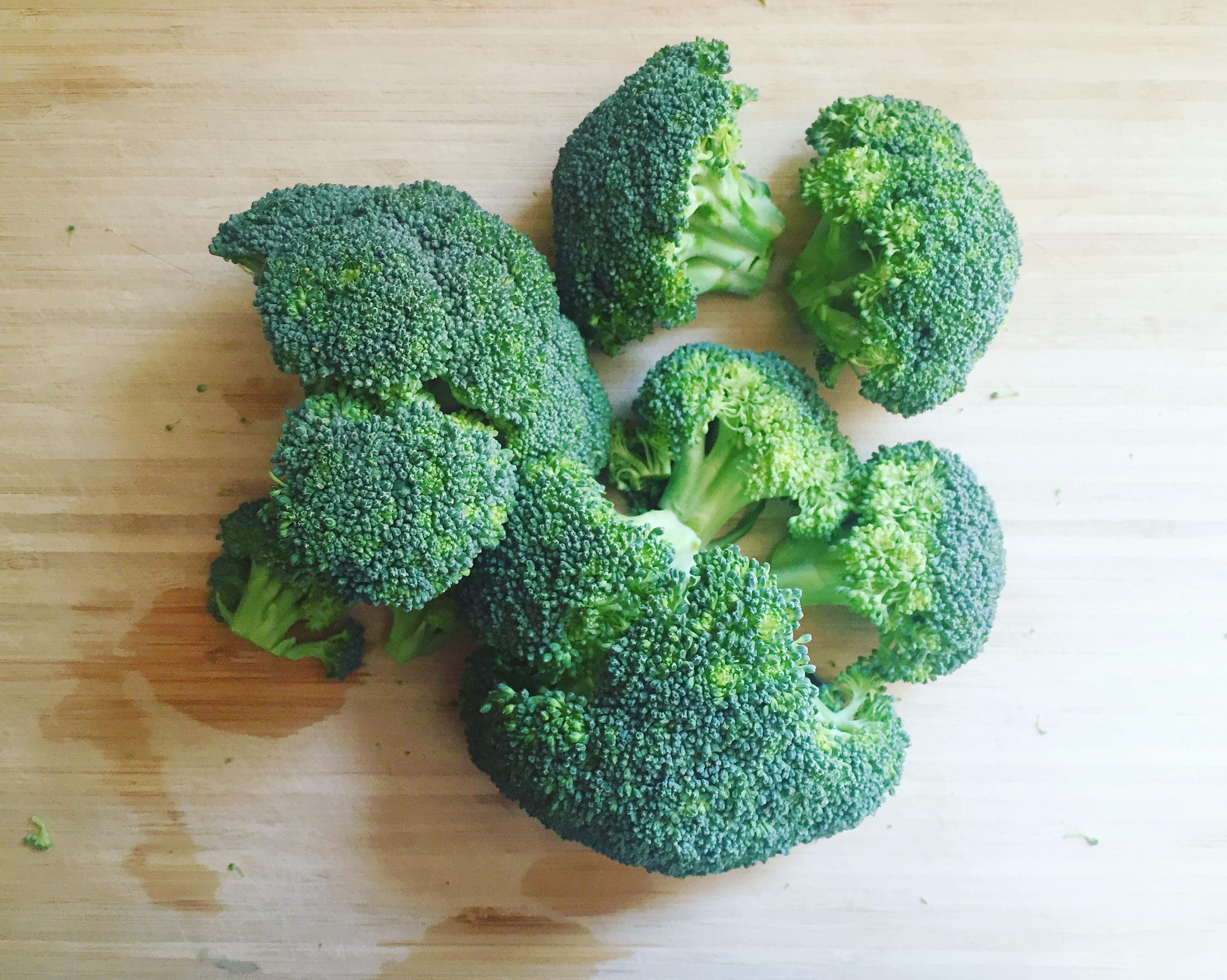 baby-toddler-finger-food-broccoli-nuggets