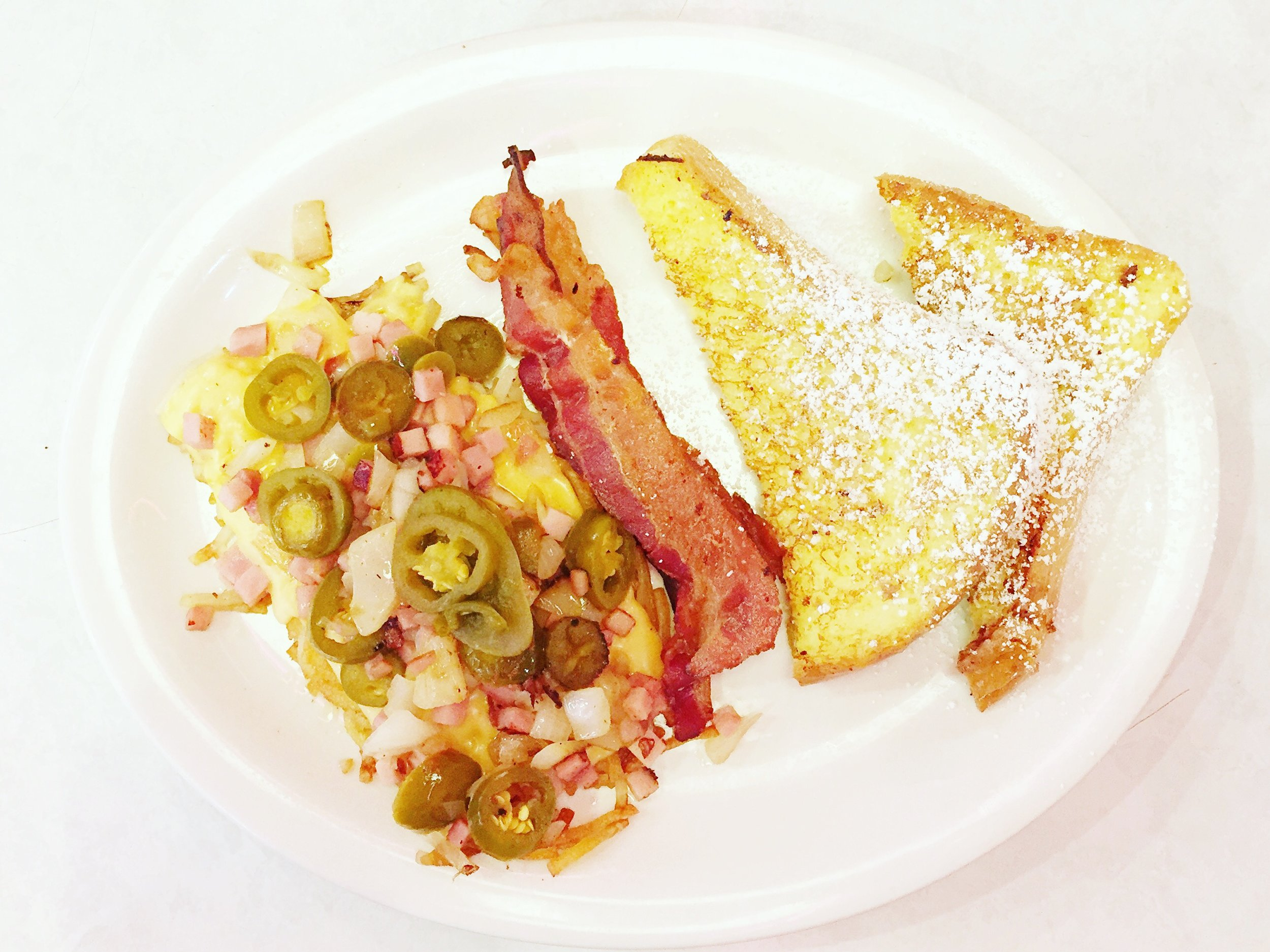 french-toast-hashbrowns-bacon-midnight-diner-charlotte-nc