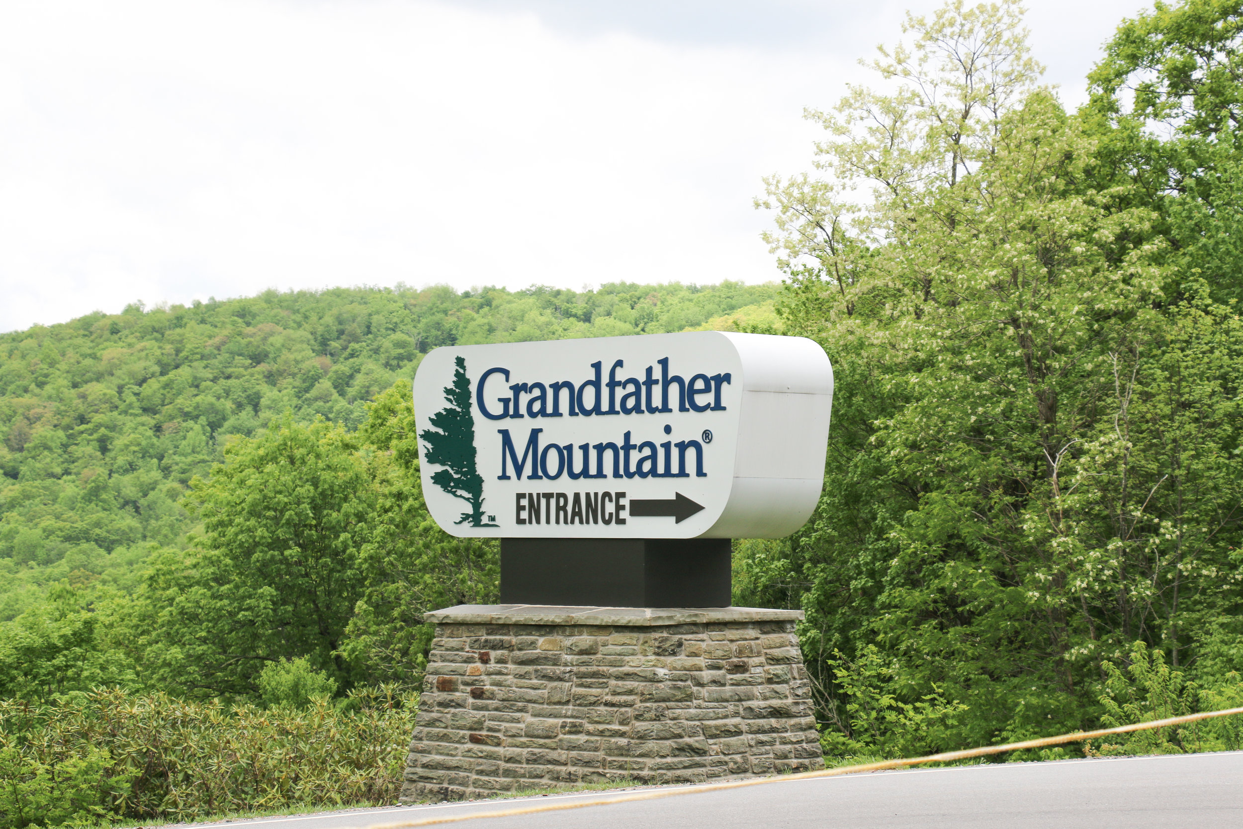 grandfather-mountain-welcome-sign