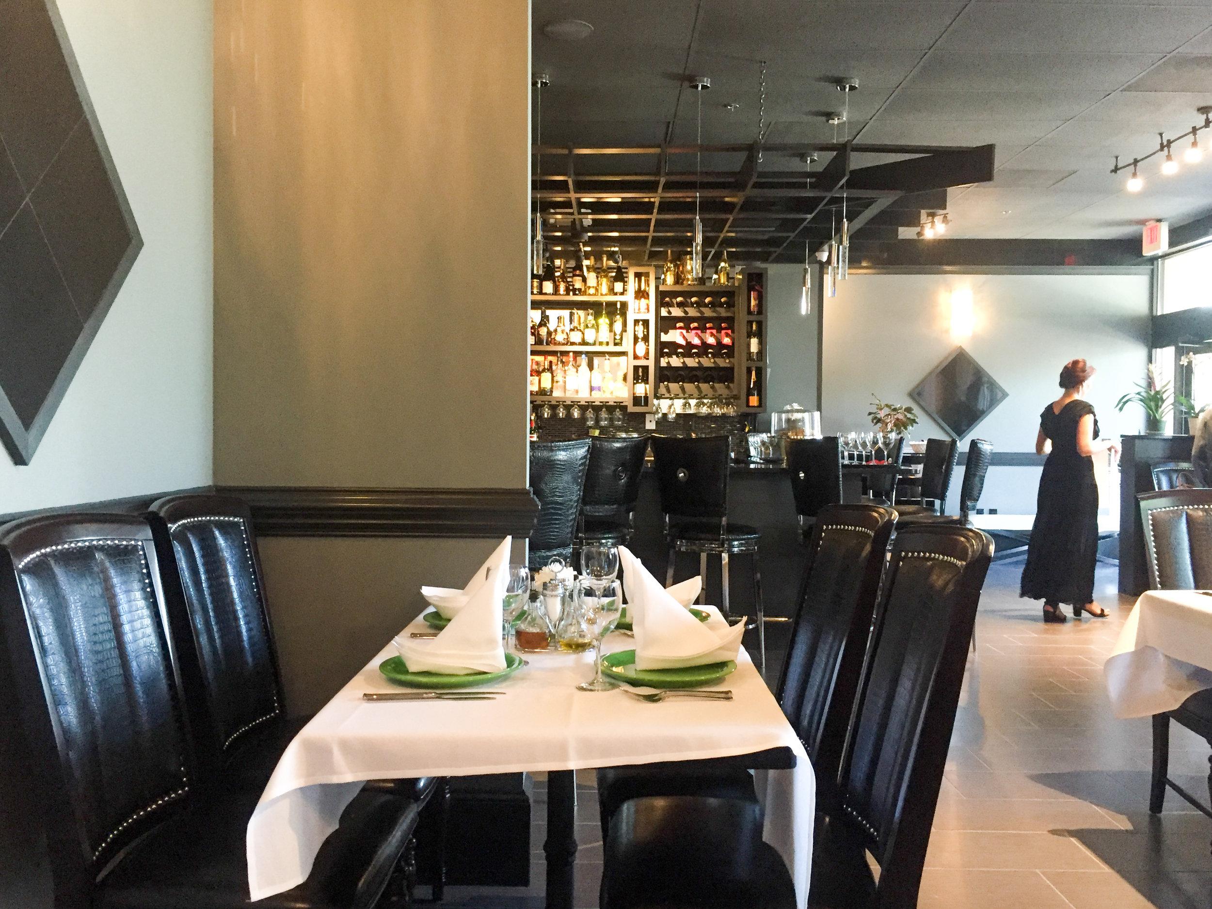 ararat17-matthews-charlotte-nc-armenian-restaurant-interior