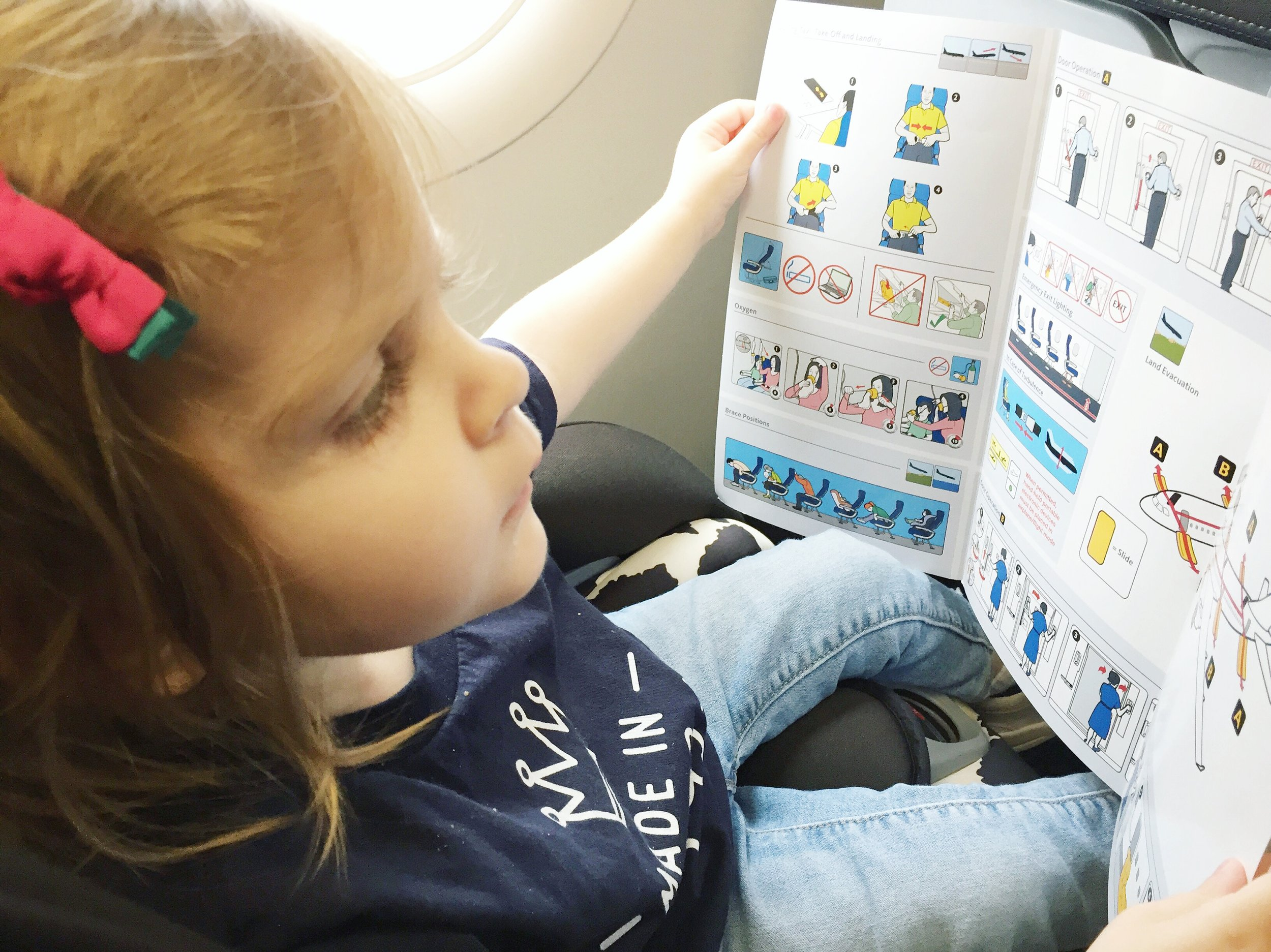 toddler-on-an-airplane