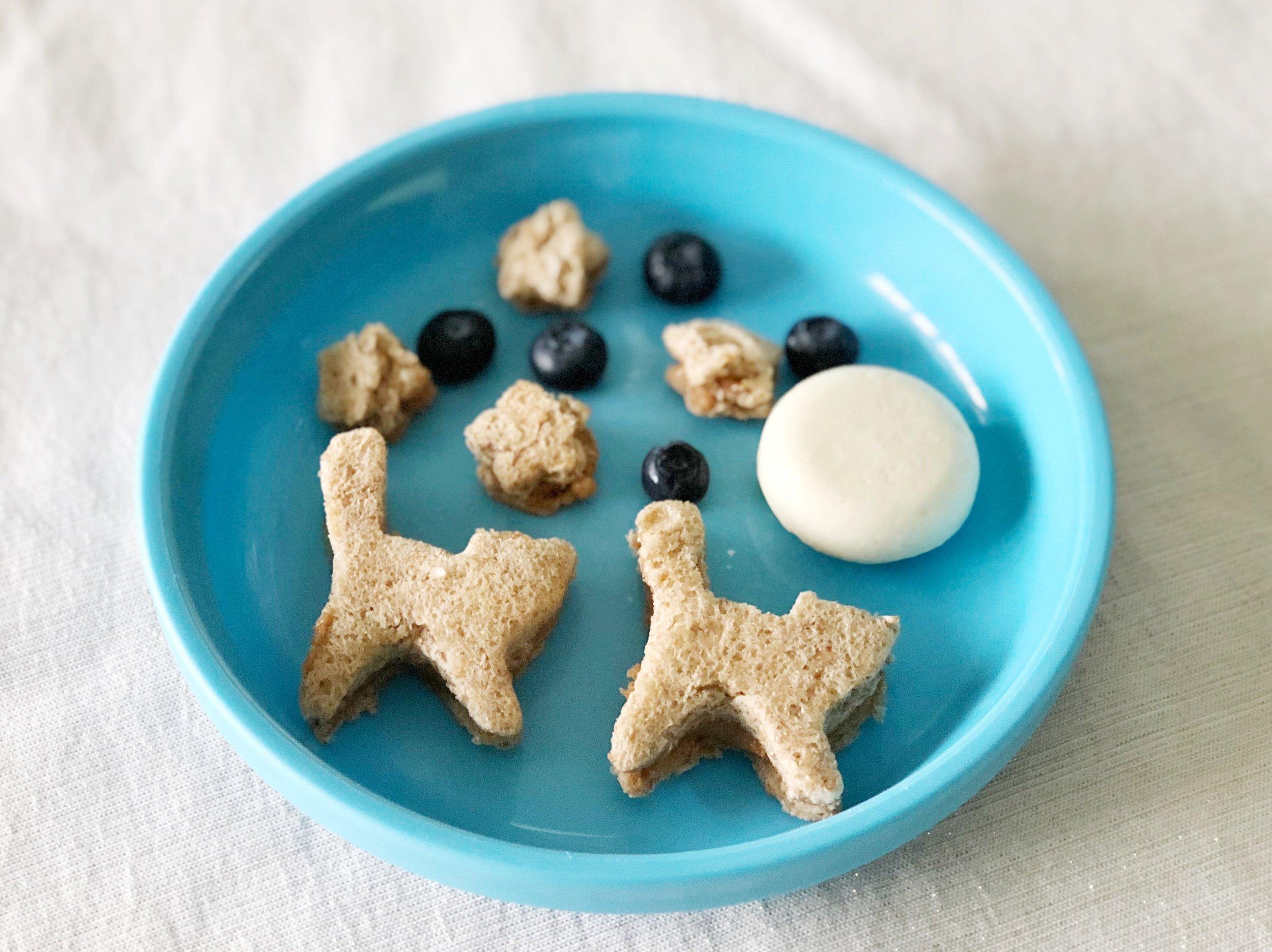toddler-lunch-cat-sandwich-ikea-plate