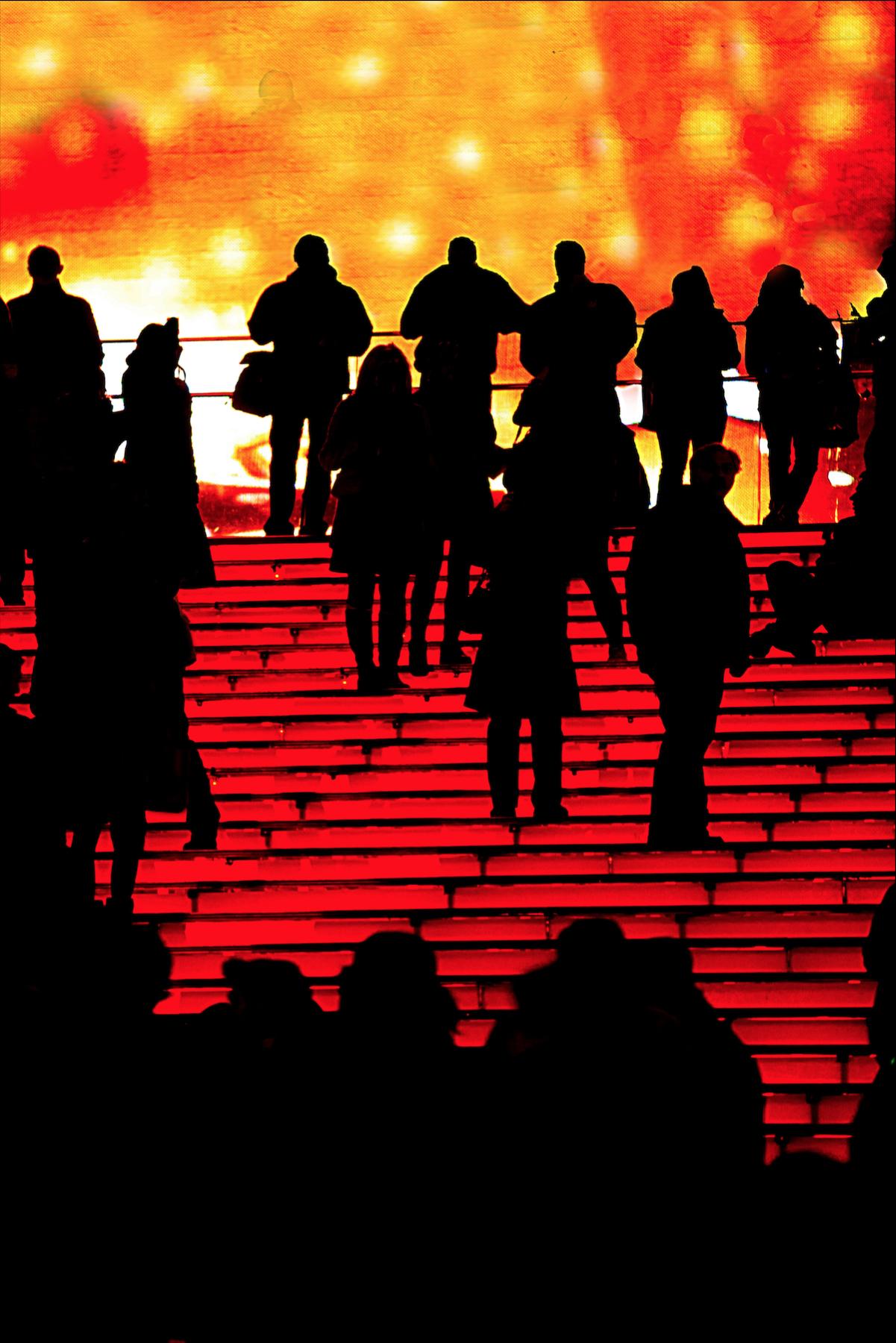 красные ступеньки таймс сквер.jpg