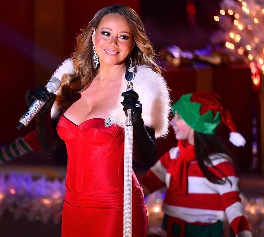Шоу Mariah Carey в театре Beacon - 27 Ноября 2017 - 5 Декабря 2017Известная своим широким вокальным диапазоном и бесчисленным множествомхитов, Mariah Carey в живую выступающая на сцене театра - шикарный новогодний подарок как для фанатов певицы, так и для обычных ценителей музыкального творчества и гостей города.