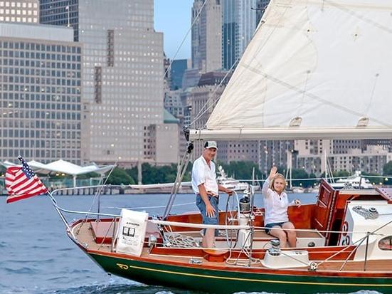 Tribeca Sailing Tours - Адрес пирса: North Cove Marina, 225 Liberty Street, New York, NY 10281Стоимость тура: от $90 (за человека)Продолжительность тура: от 2 часов