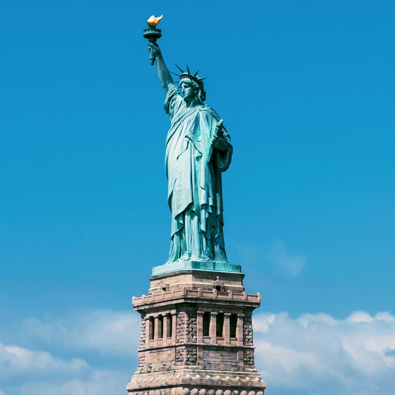 Статуя Свободы (С берега) -