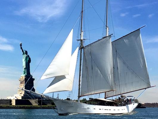 Manhattan by Sail - Адрес пирса: North Cove Marina at Brookfield Place, New York, NY 10280Стоимость тура: от $45 (за человека)Продолжительность тура: от 60 минут