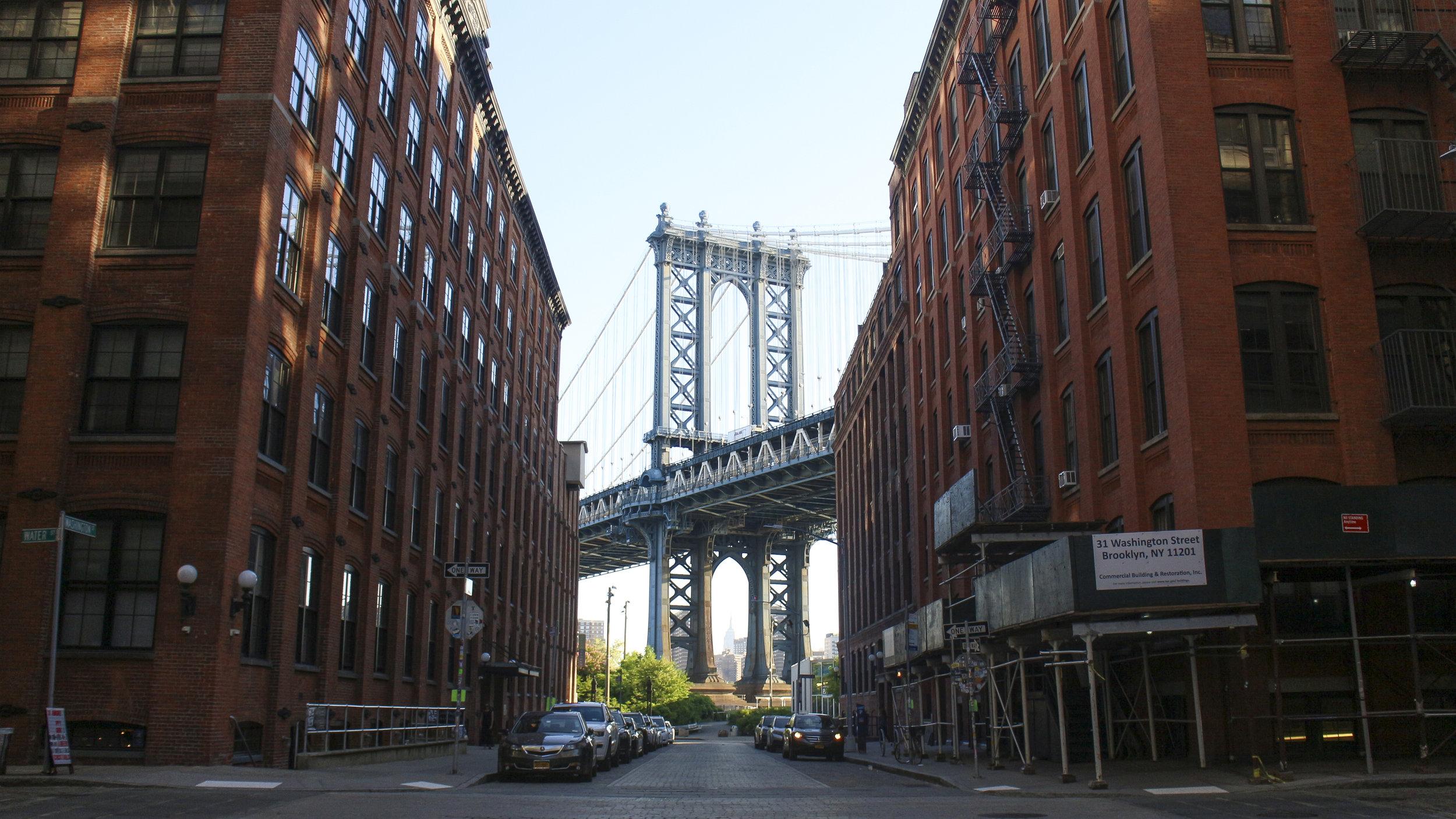 Дамбо Бруклин нью-йорк.jpg