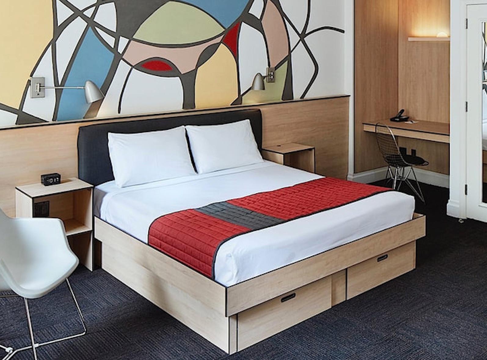Самые дешевые отели в центре Нью-Йорка - Отели две звезды до $100/ночь