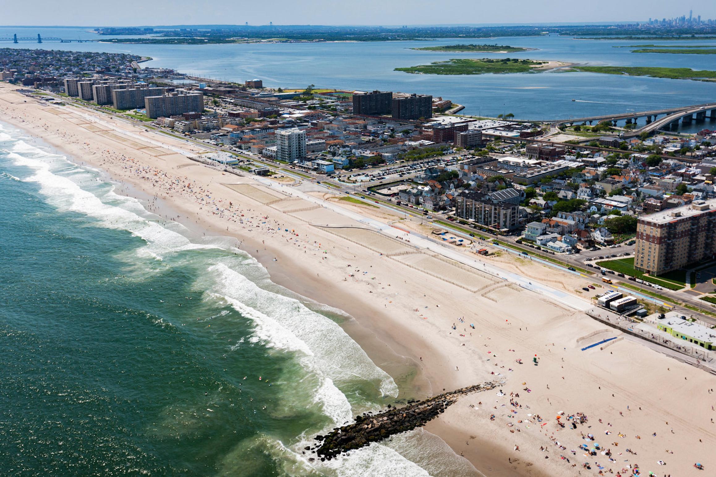 Пляж Far Rockaway в квинсе.jpg