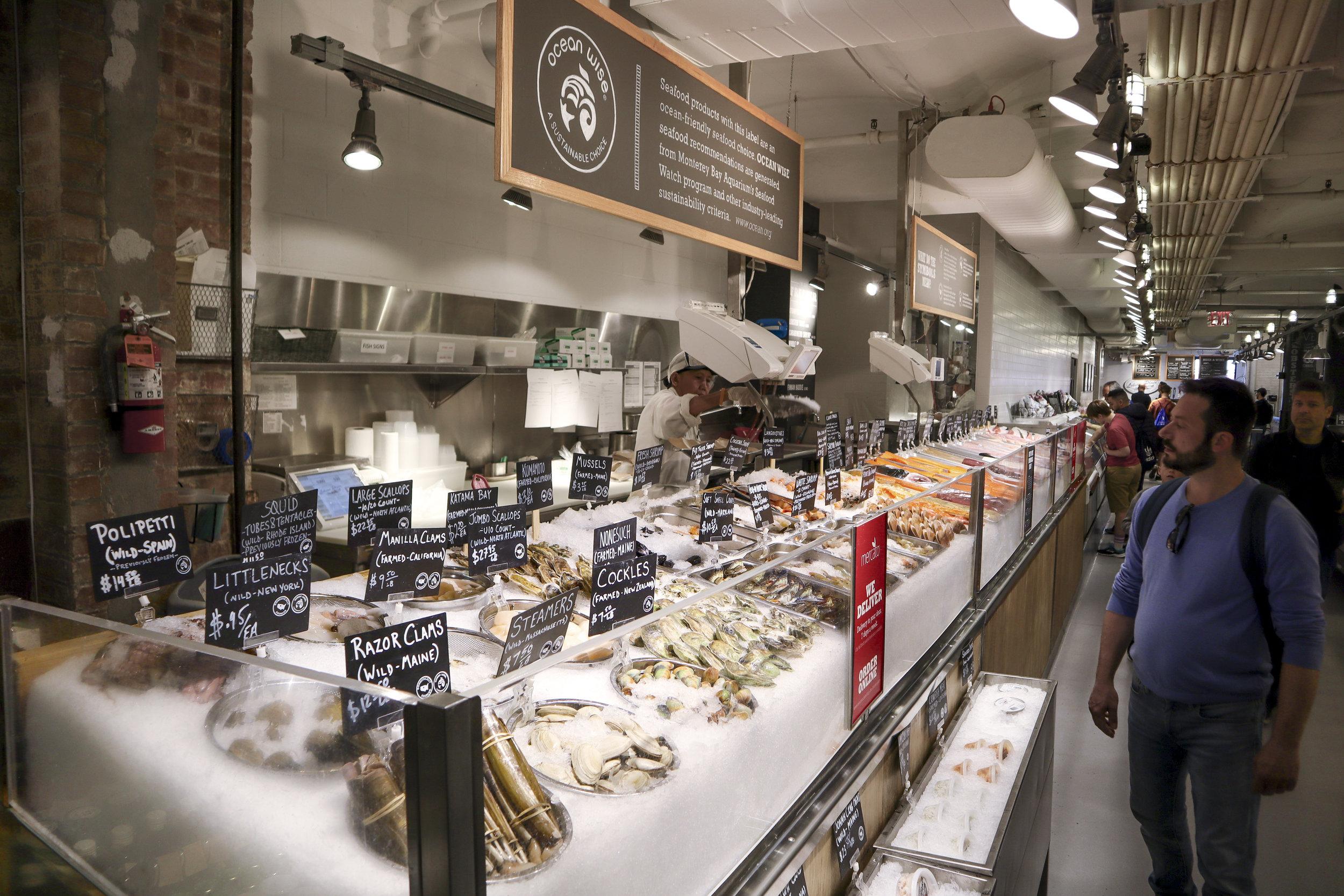 Челси маркет внутри рыбный рынок.jpg