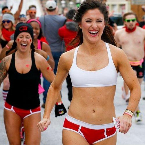 Забег Cupid's Undie Run.jpg
