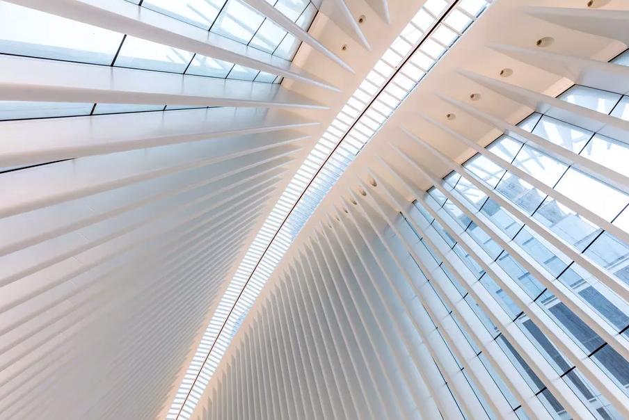 Конструкция крыши Oculus архитектора Сантьяго Калатравы за 4 миллиарда долларов протекает.