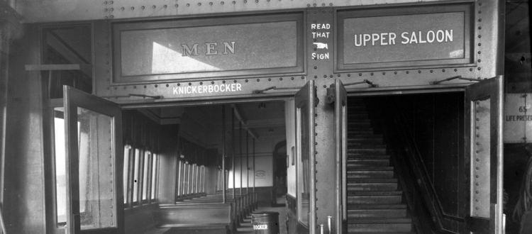 Места для женщин и места для мужчин на пароме Стейтен-Айленд Ферри. Нью-Йорк