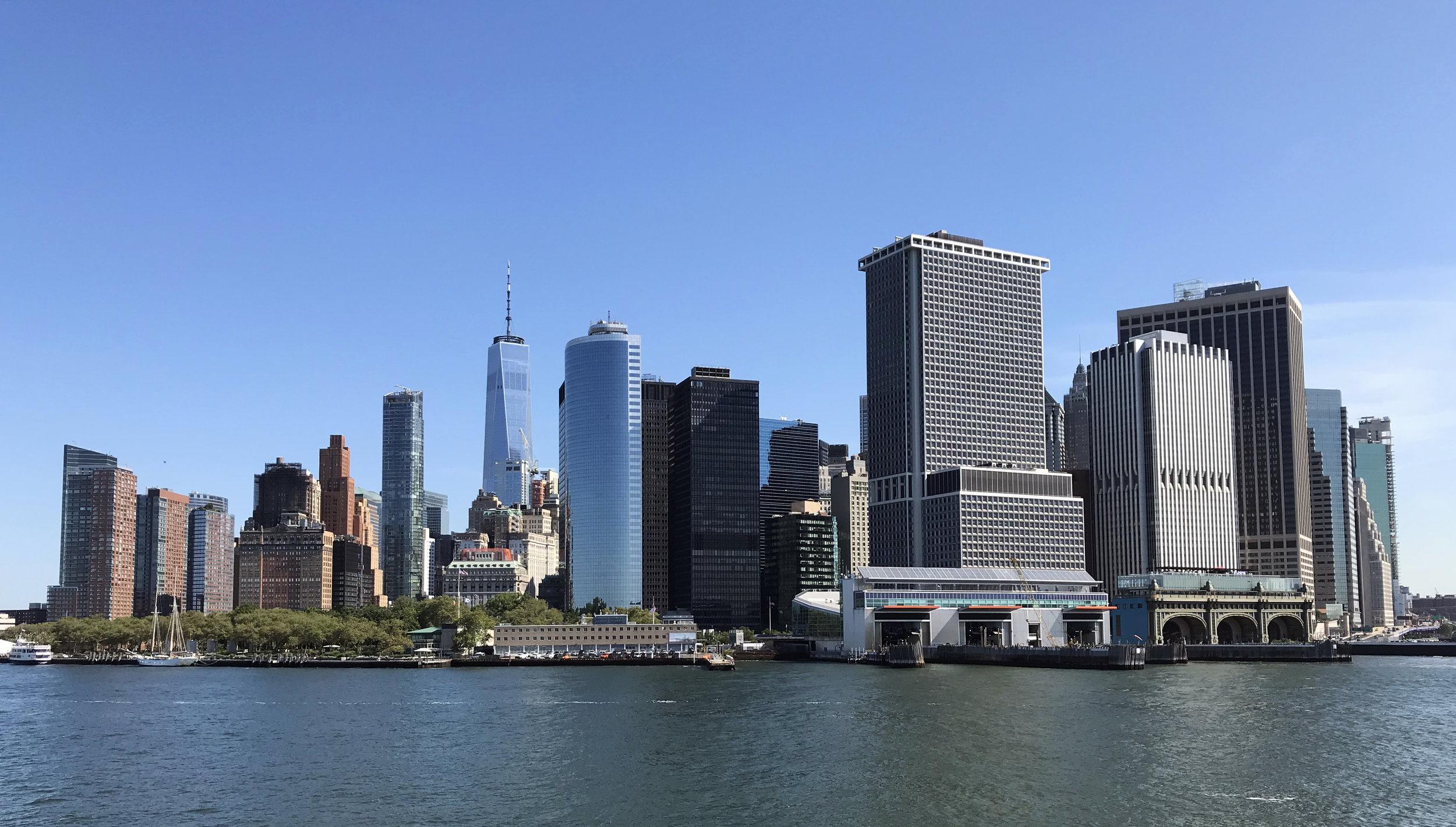 Вид на нижний Манхэттан с парома.jpg