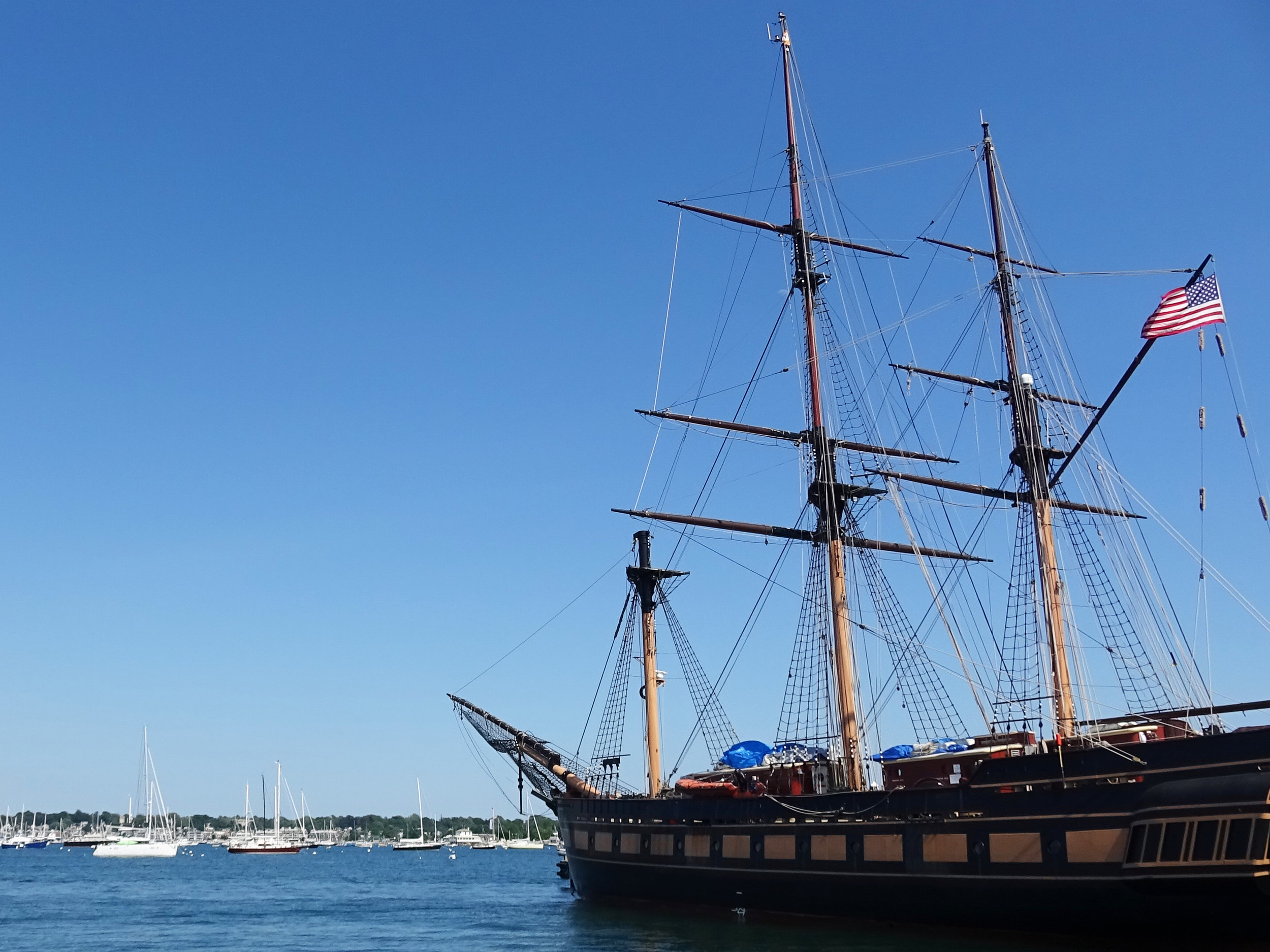 Корабль в Ньюпорте Род Айленд.jpg