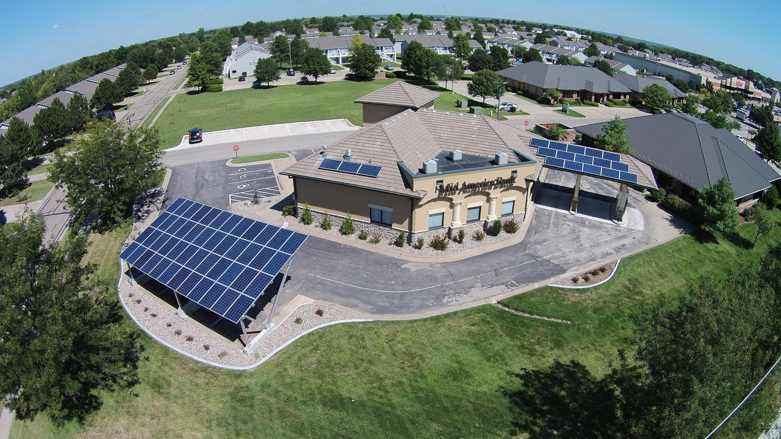 Mid America Bank solar arrays © 2015 Cromwell Environmental