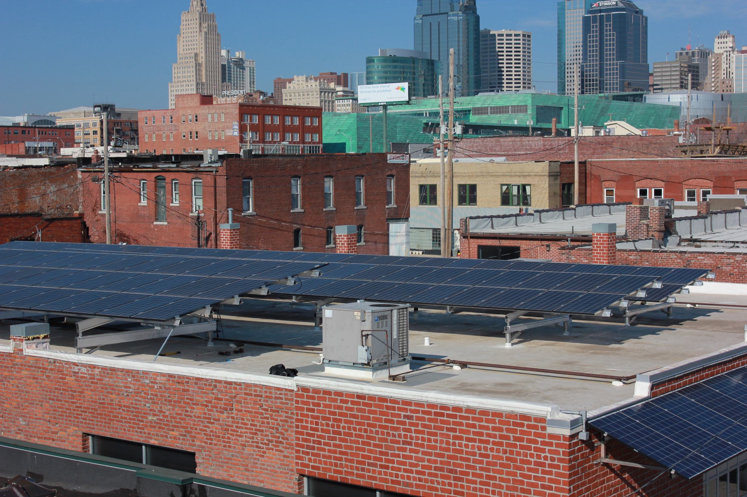 Commercial solar array in downtown Kansas City © 2015 Cromwell Environmental