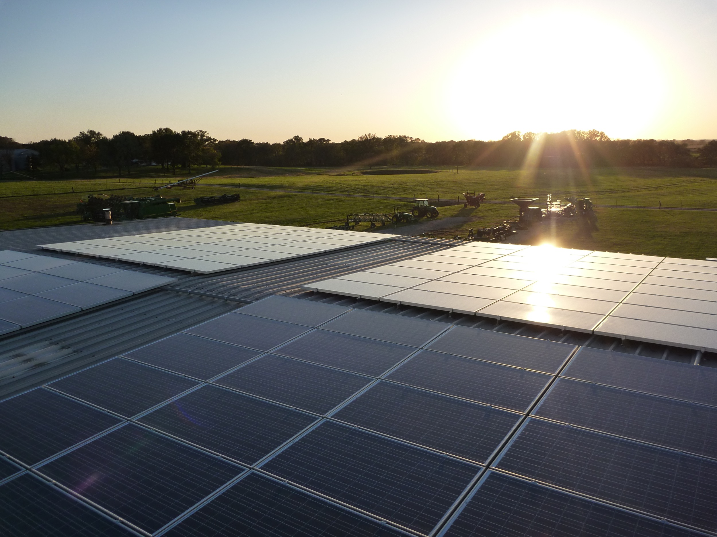 Large solar array on a farm © 2015 Cromwell Environmental