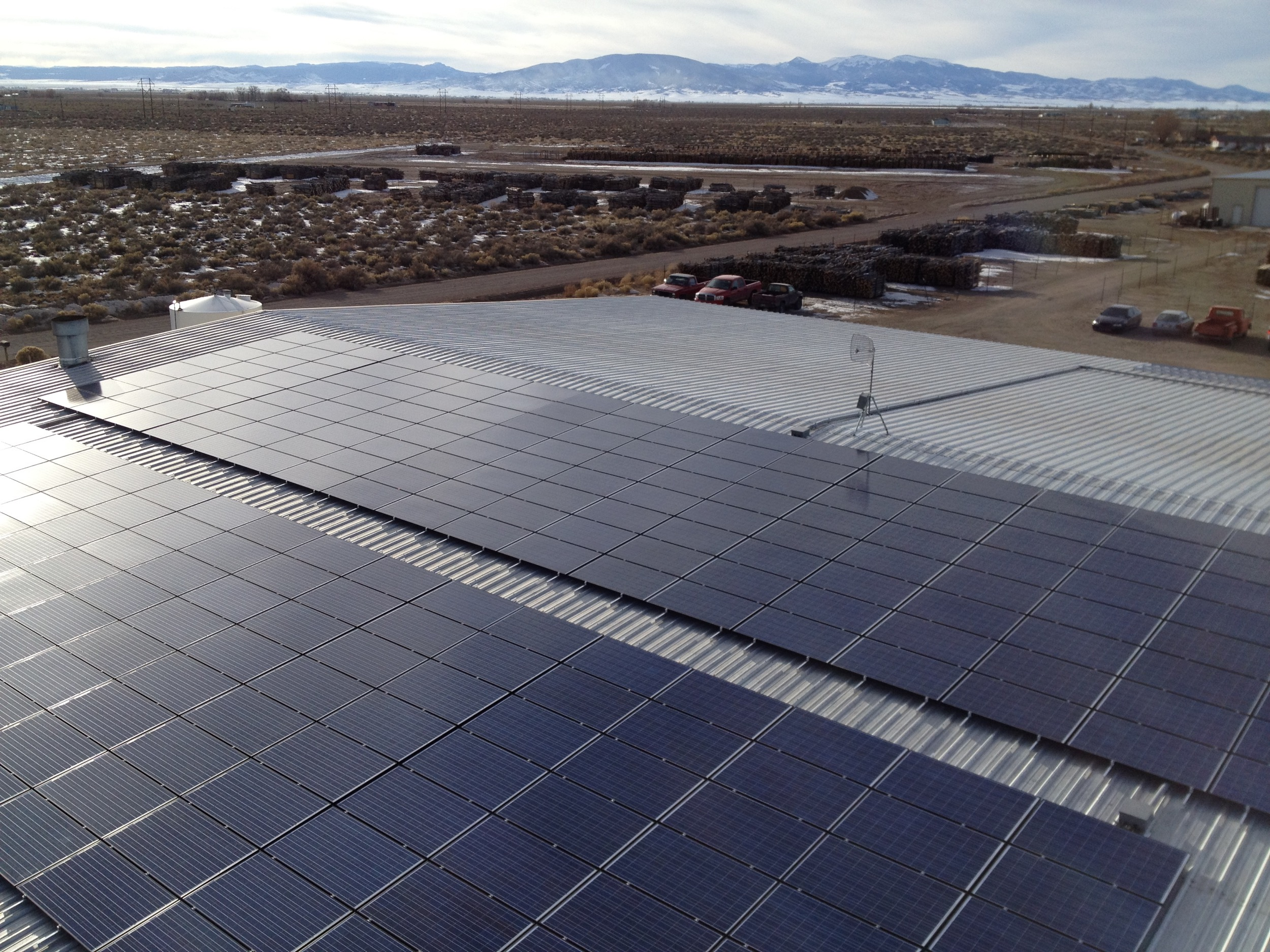 Large commercial solar array © 2015 Cromwell Environmental
