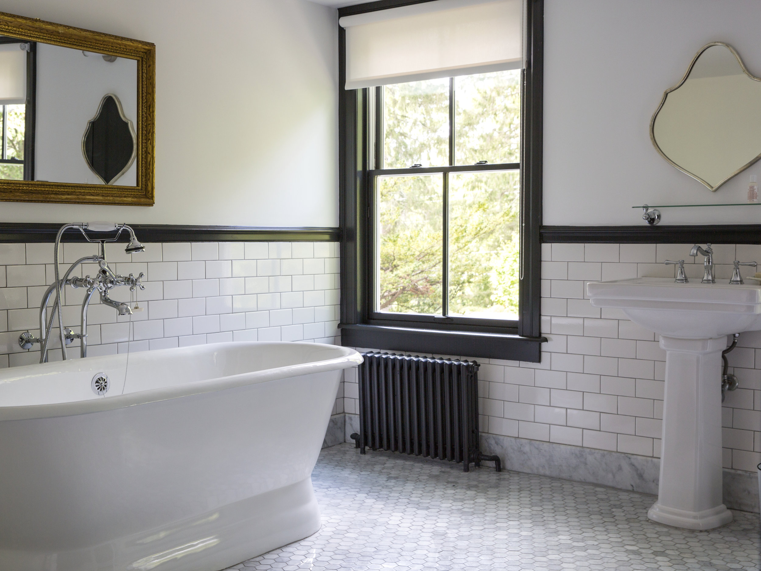 NO. 17 / SH GRAND LOFT SOAKING TUB