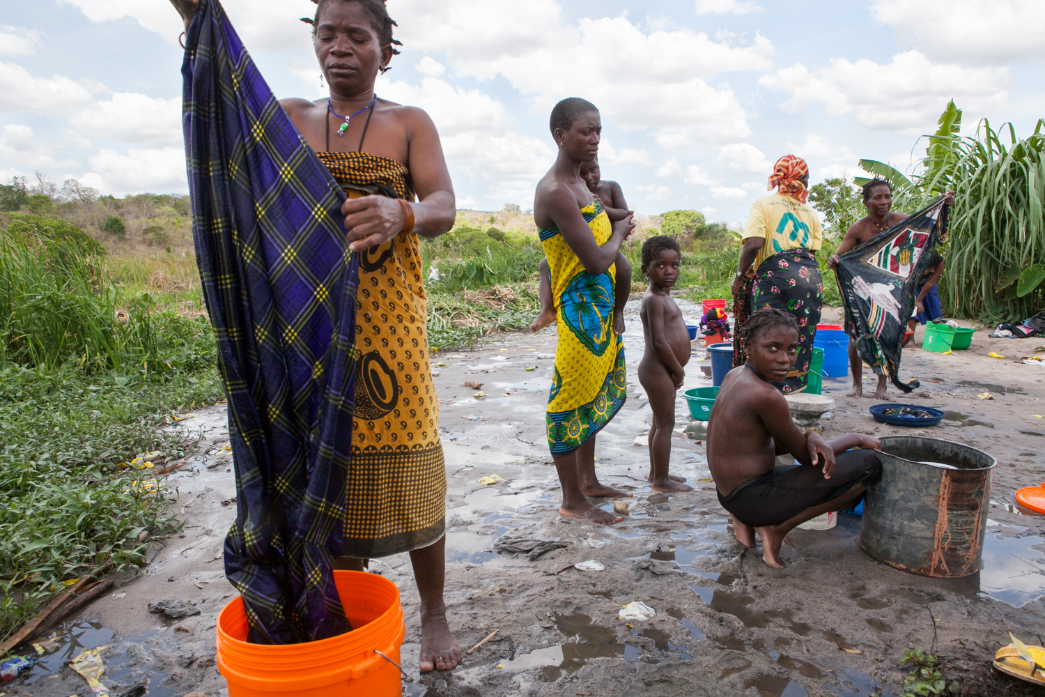 When pumps are not working, locals use nearby rivers and swamps to do laundry and bathe themselves. It is possible that wildlife or waste streams contaminate the water, thus increasing the dangers of widespread disease.