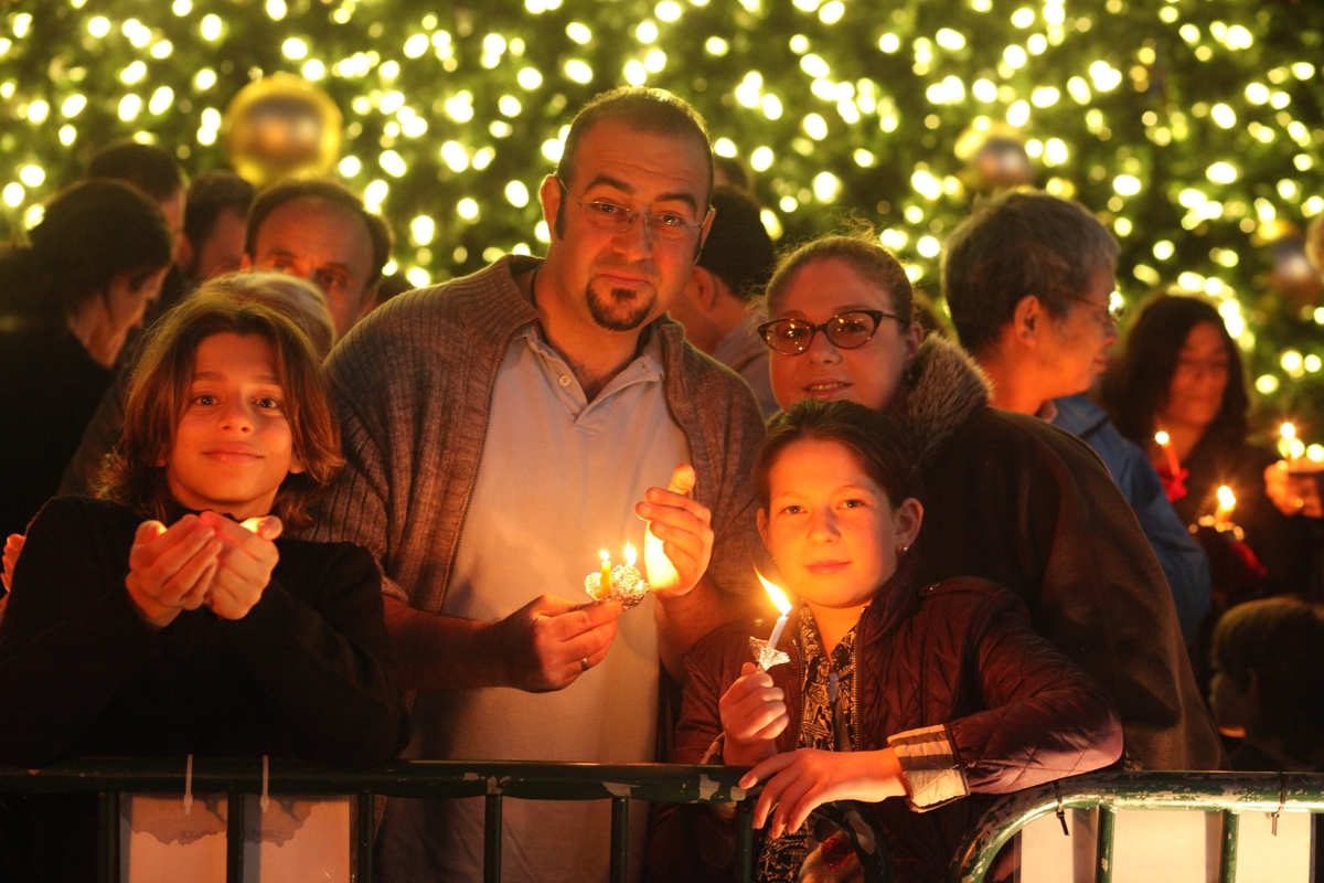 Chanukah UnionSquare 30.jpg