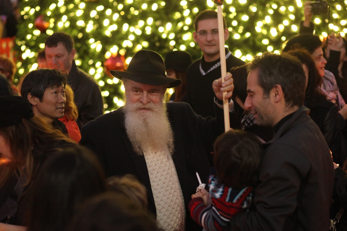 Chanukah UnionSquare 65.jpg