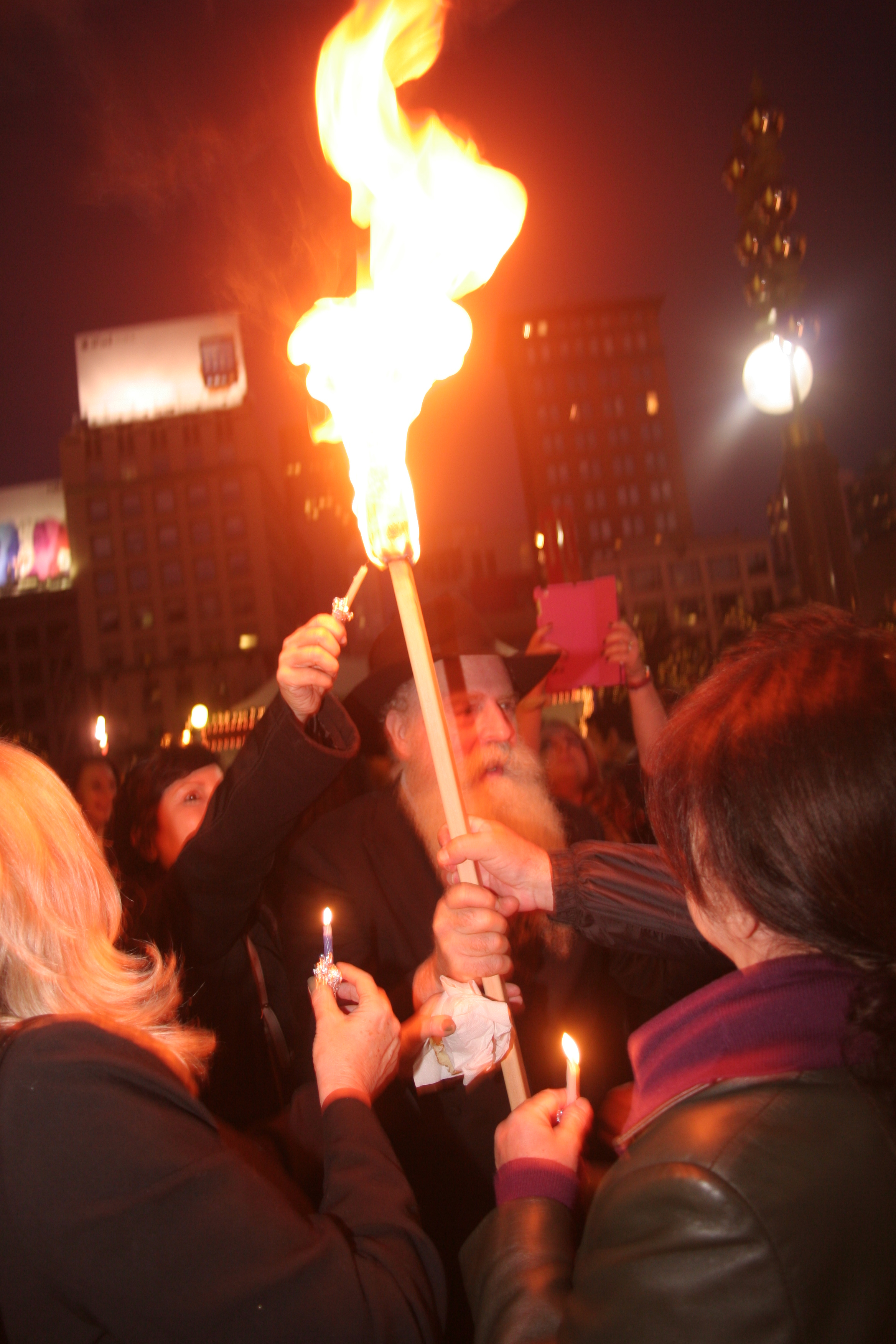 Menorah Lighting 2012 1311.jpg