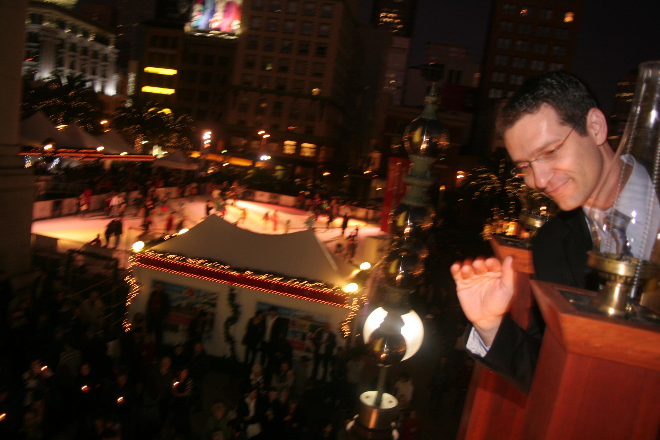 Menorah Lighting 2012 1318 - Copy.jpg