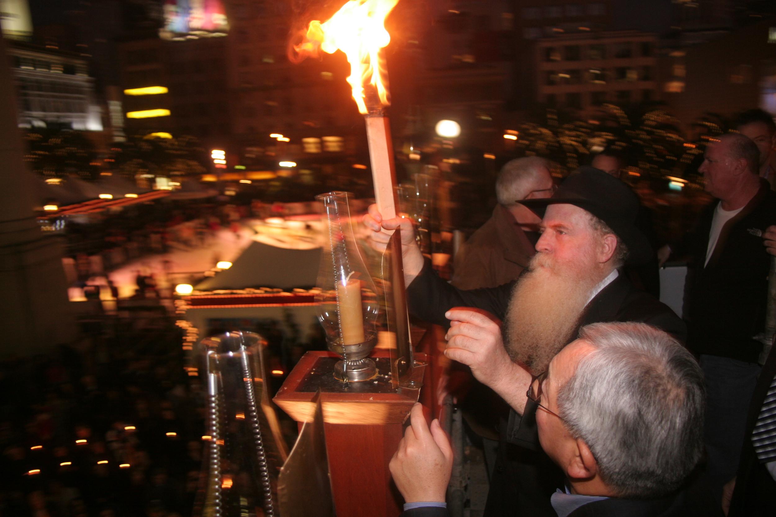 Menorah Lighting 2012 1322 - Copy.jpg