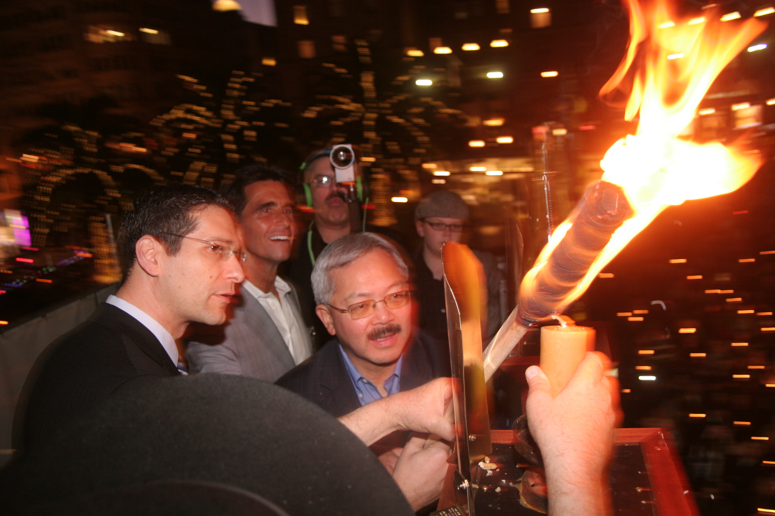 Menorah Lighting 2012 1325 - Copy.jpg