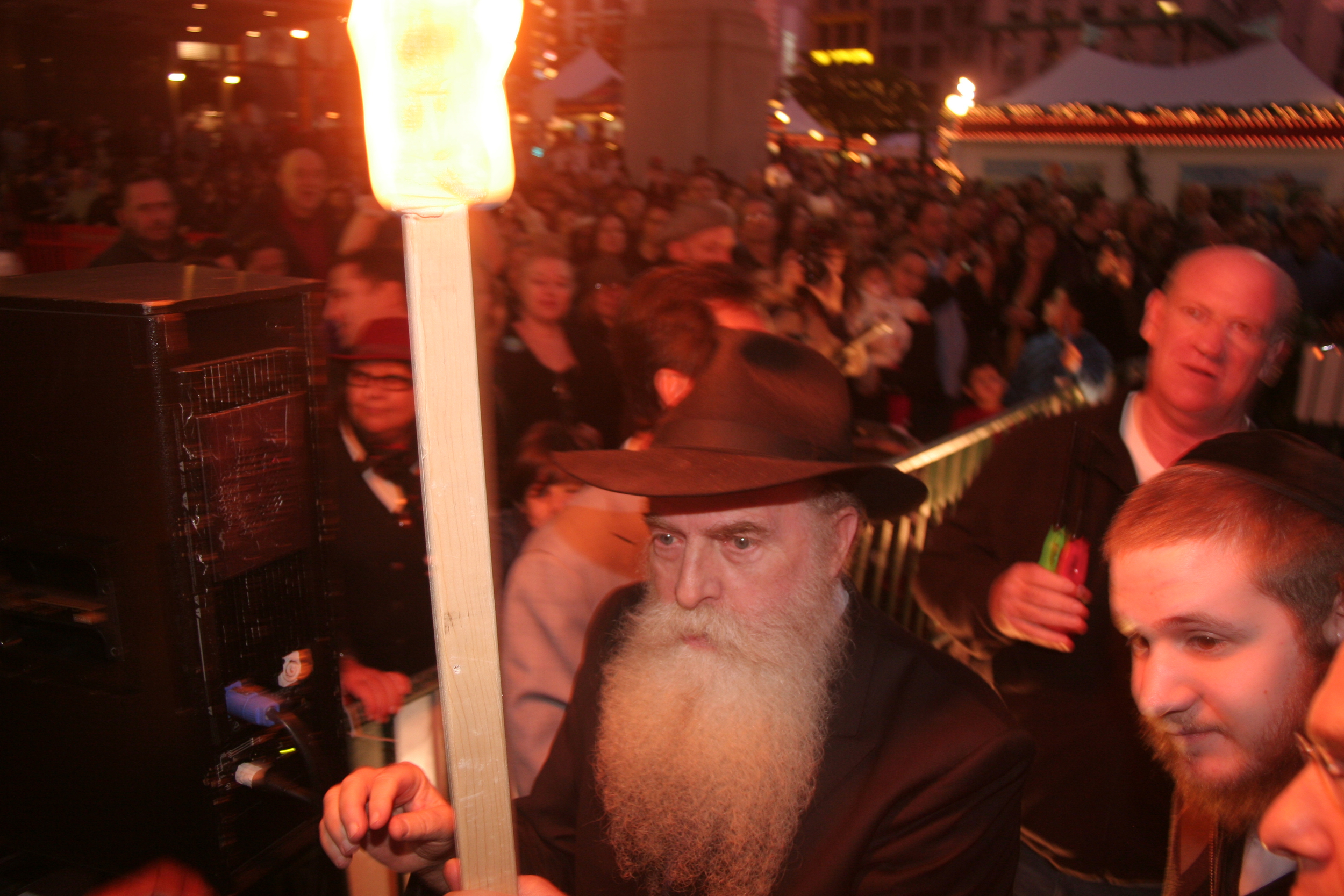 Menorah Lighting 2012 1372.jpg