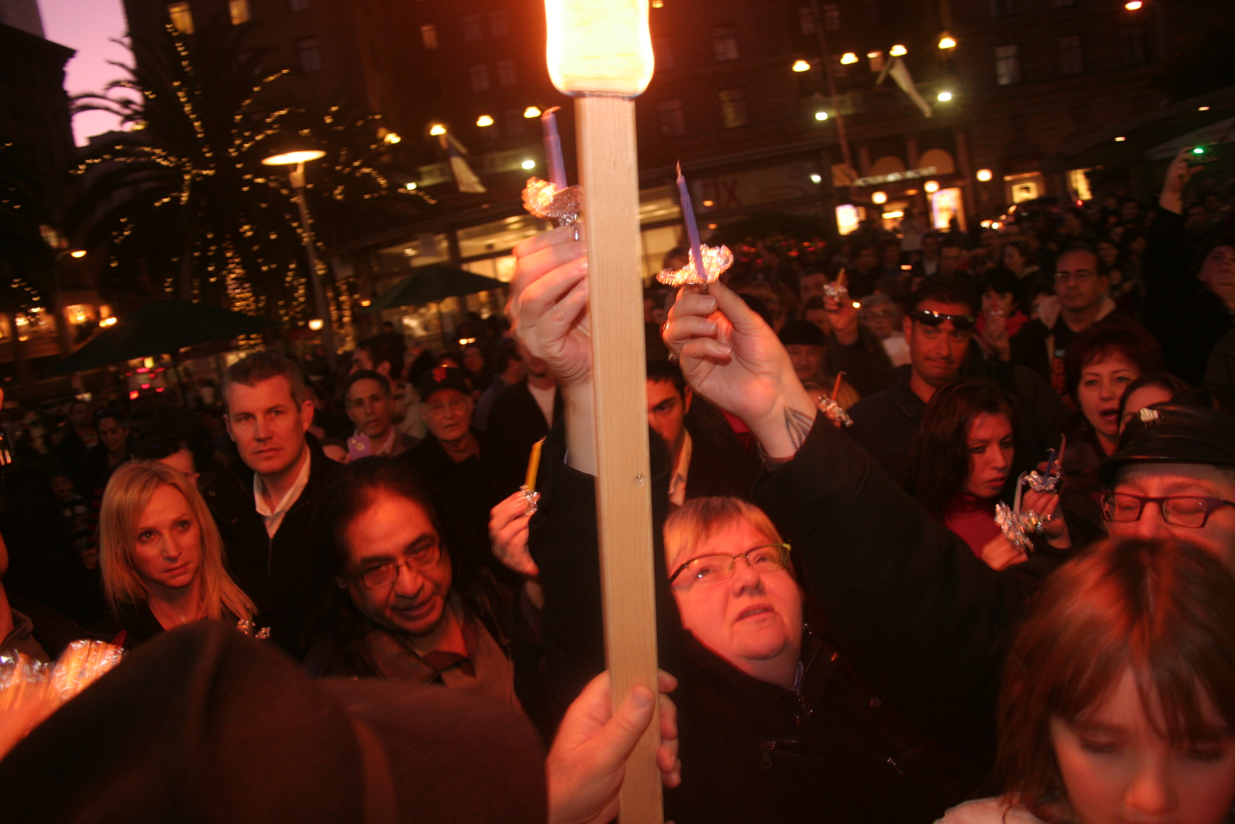 Menorah Lighting 2012 1376.jpg
